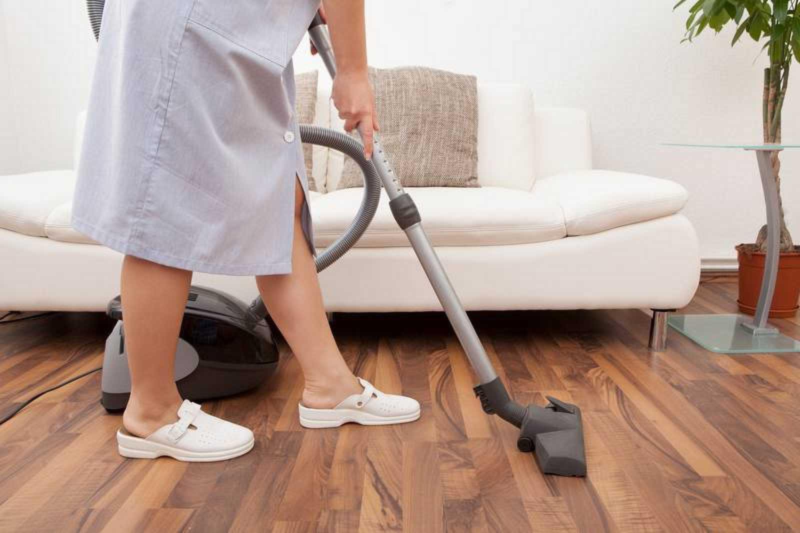 Nueve de cada diez personas ocupadas en empleo doméstico en España son mujeres