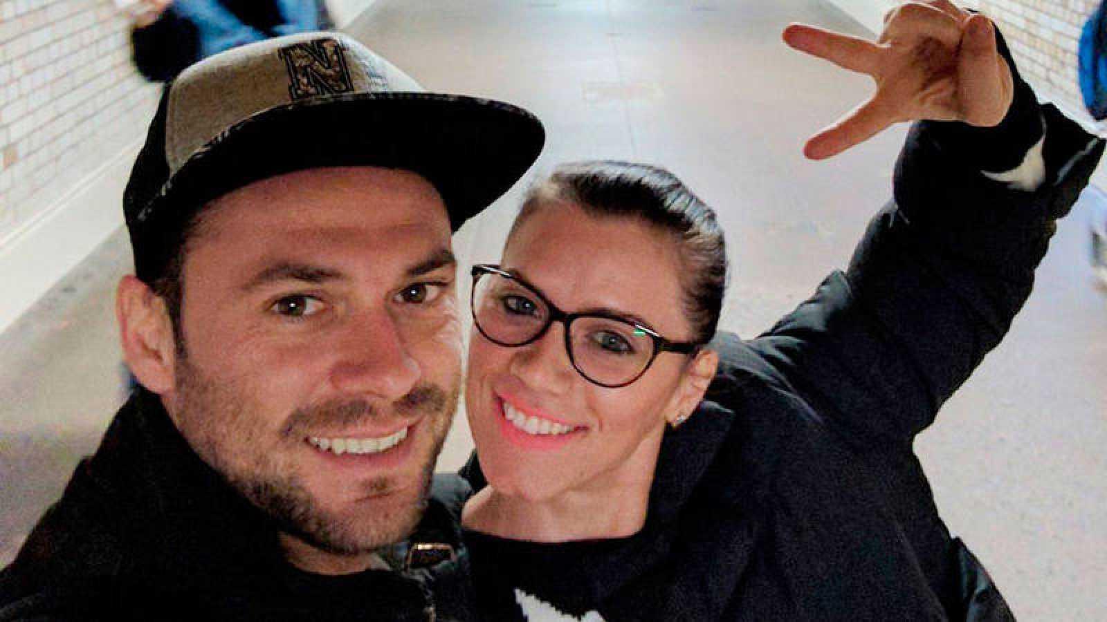 Andreea Cristea (d), fallecida por la heridas tras caer al Támesis en el atentado de Londres, junto a su novio Andrei Burnaz
