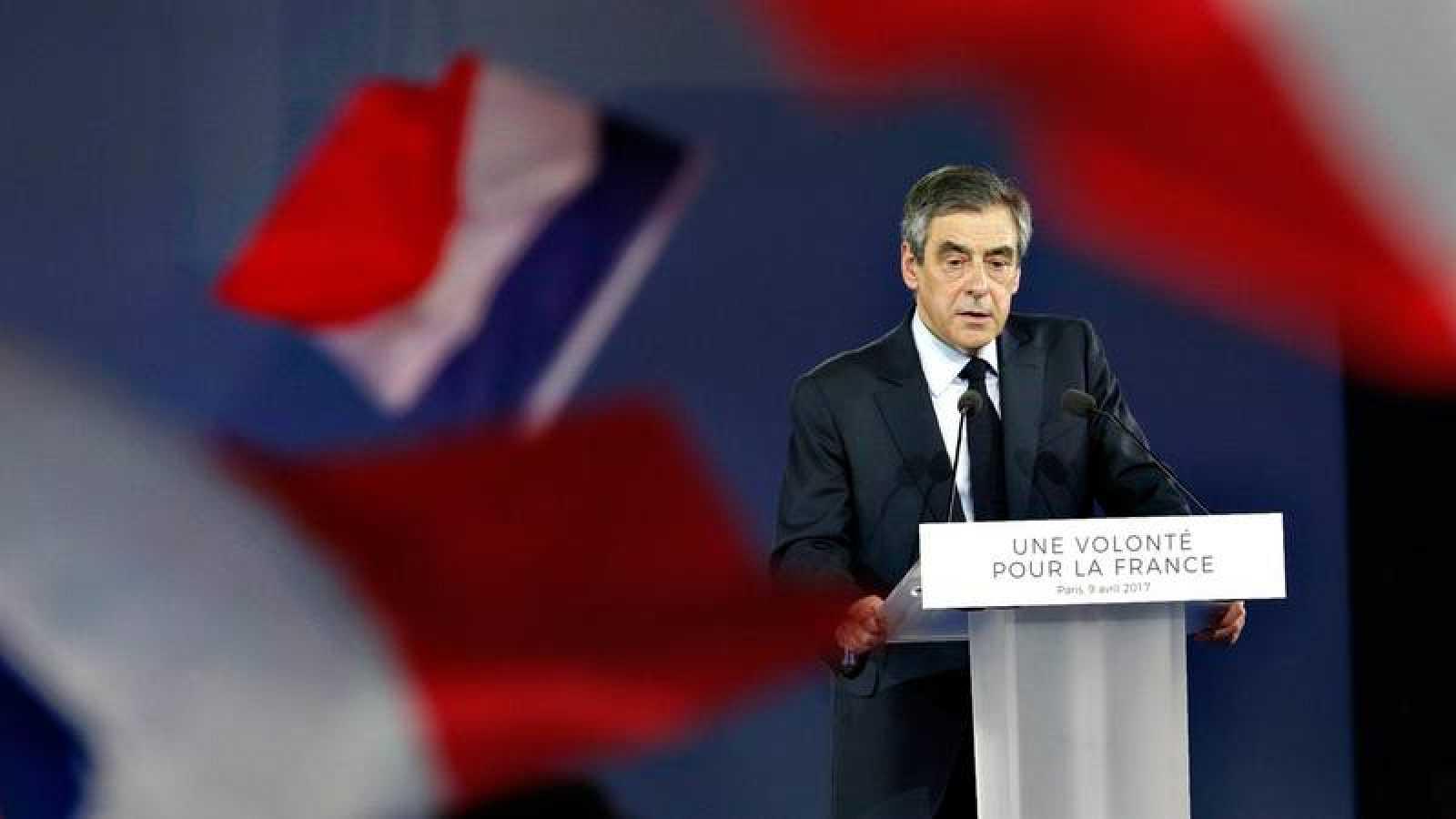 El candidato de Los Republicanos a la presidencia de Francia, François Fillon, en un acto de campaña