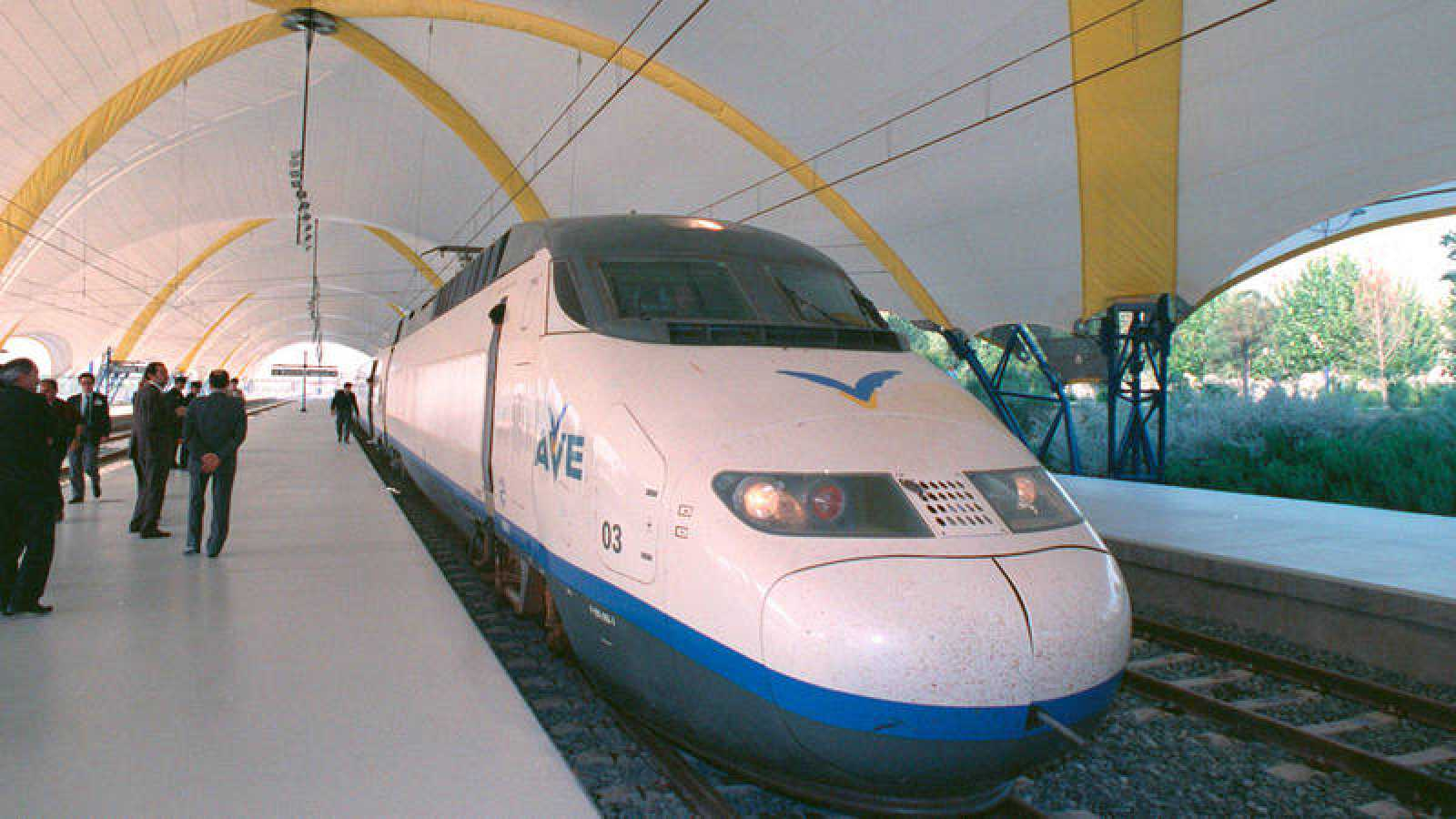 El viaje inaugural del AVE a Sevilla se realizó el 14 de abril de 1992