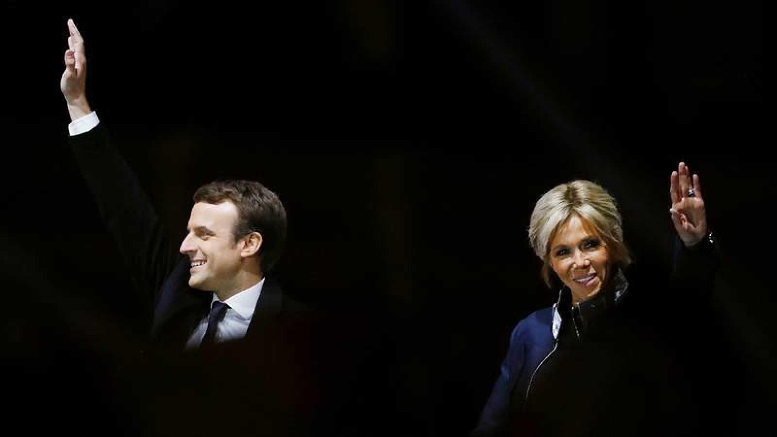 Brigitte Trogneux Sombra Y Luz De Macron Rtve Es
