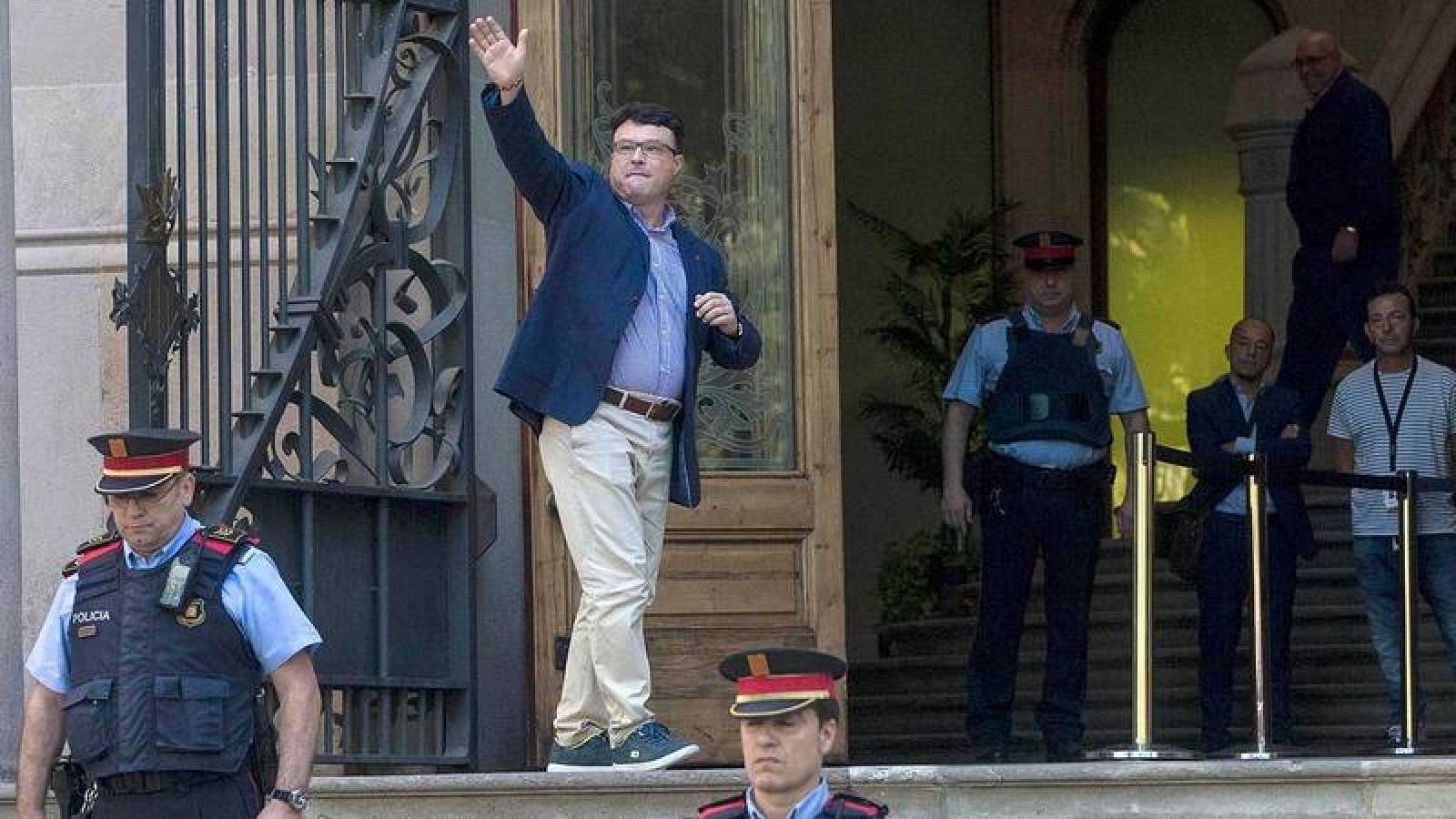 El secretario tercero de la Mesa del Parlament, Joan Josep Nuet, dice que no es independentista sino democráta