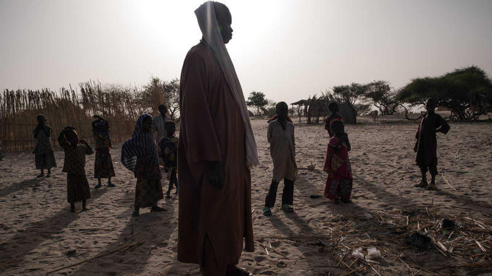 Mahamat Ali, de 17 años, en la localidad de Melea, en la región del Lago Chad, en Chad, el 19 de abril de 2017. Ali fue secuestrado por Boko Haram con 15 años y fue esclavizado durante dos años hasta que pudo escapar.