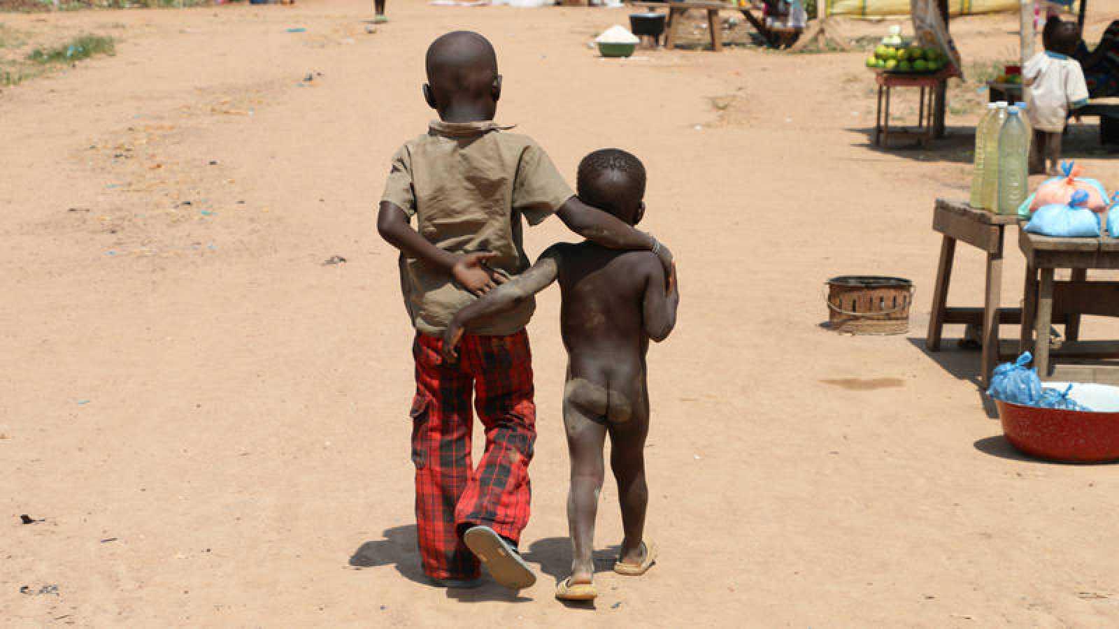 El aeropuerto de Mpoko en Bangui, República Centroafricana, es refugio de 20.000 desplazados