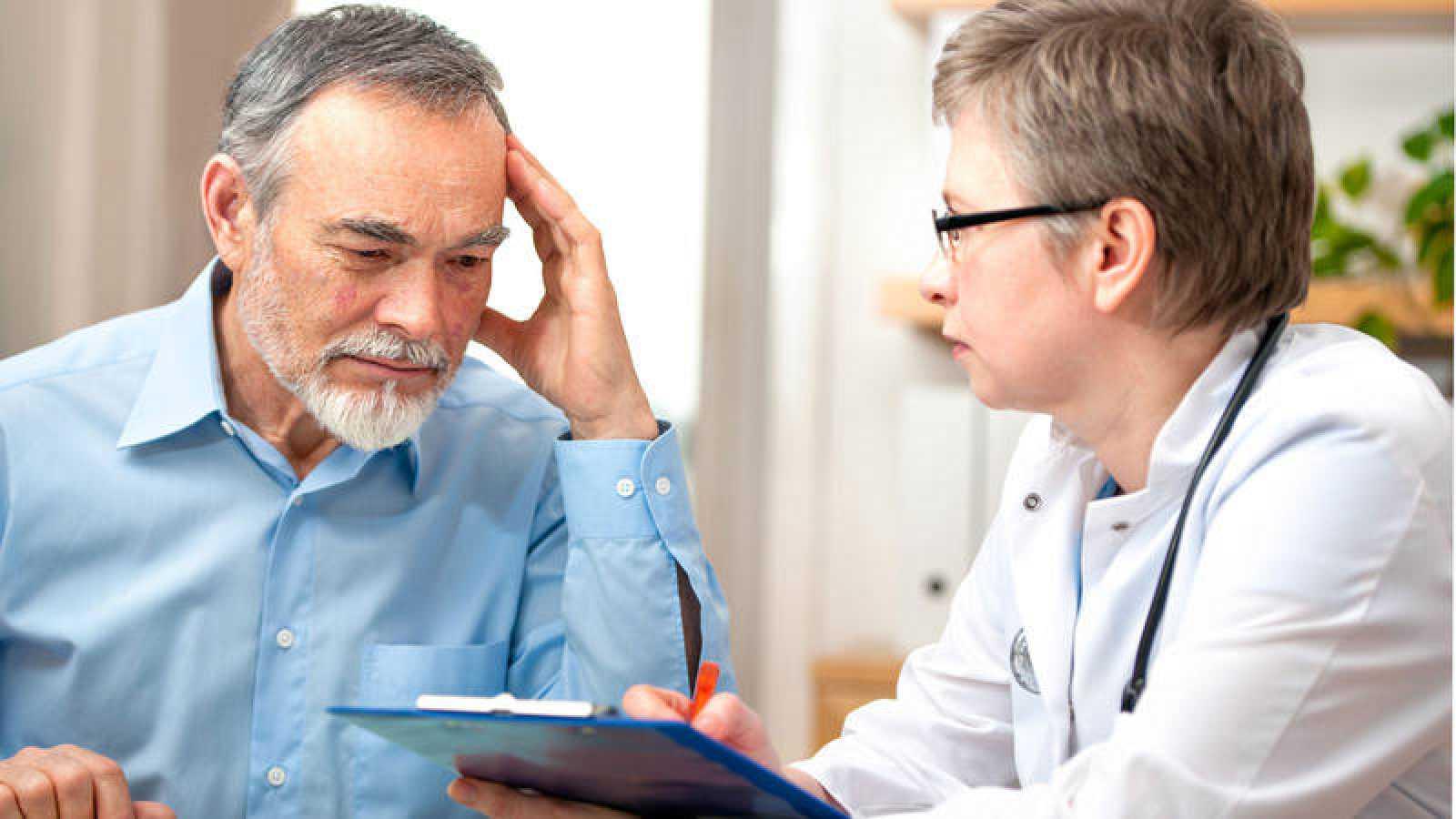 Cambios en el estilo de vida y buena salud mental, claves para combatir la demencia