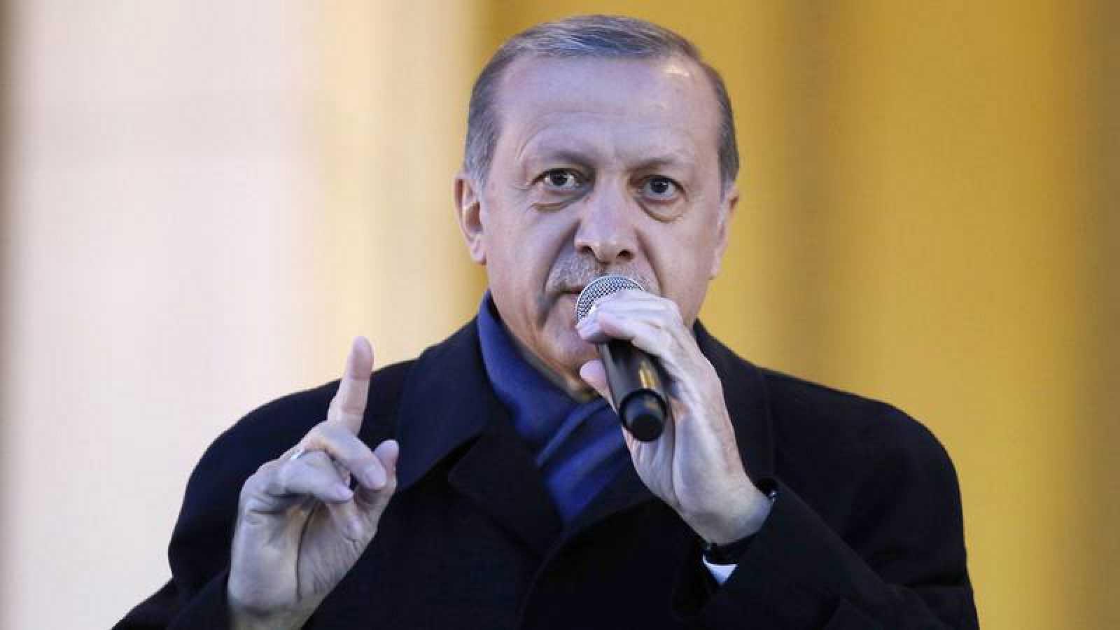 Erdogan pide a los alemanes de origen turco que no voten ni a la CDU ni a SPD