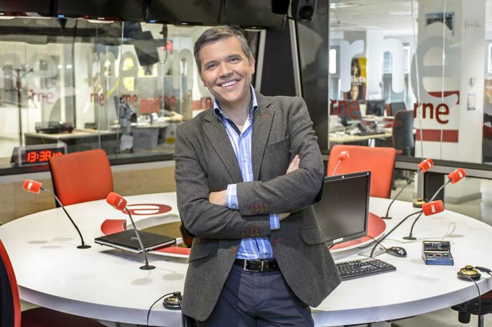 Alfredo Menéndez dirige y presenta 'Las mañanas de RNE' desde 2013.