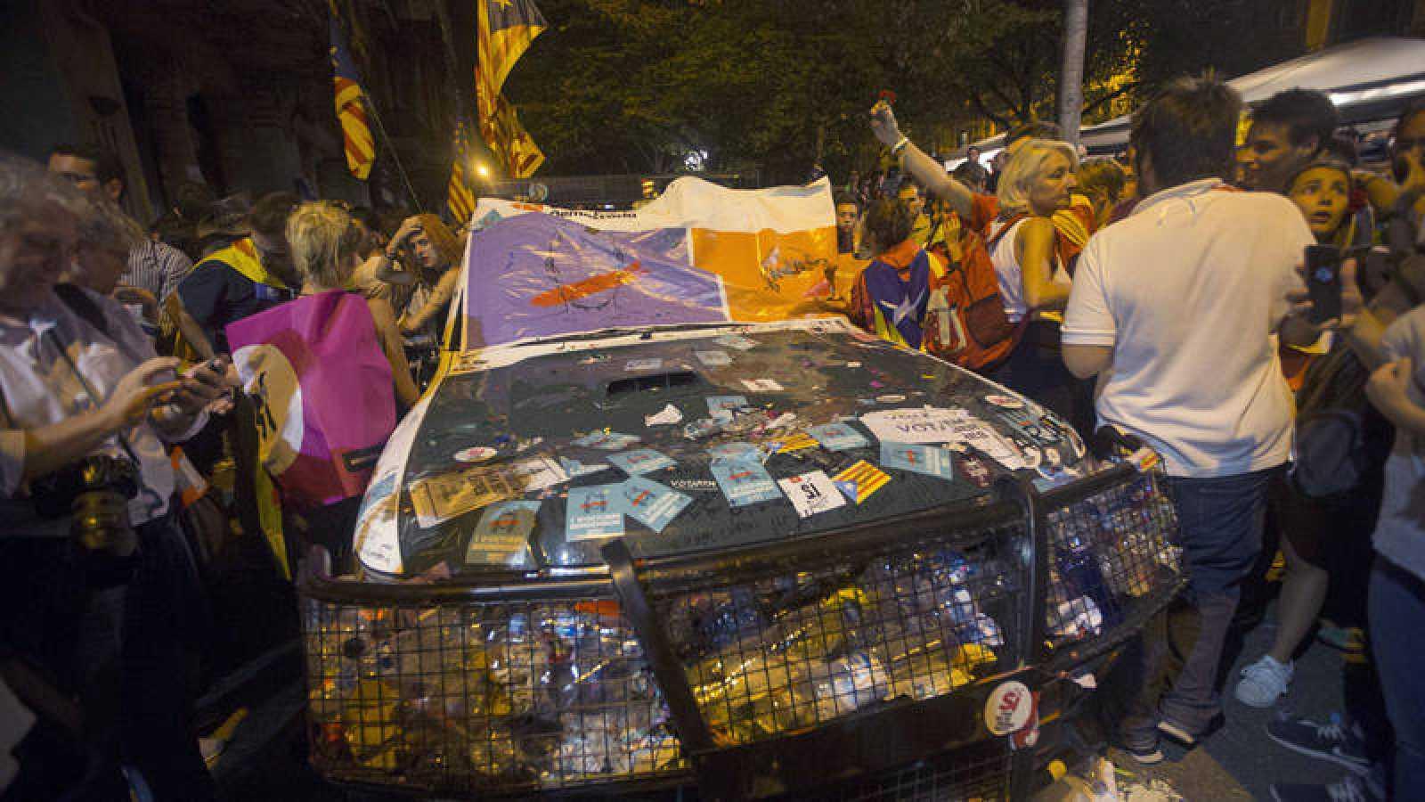Imagen del asedio a la sede de la consellería de Economía y Hacienda de la Generalitat el 20 de septiembre