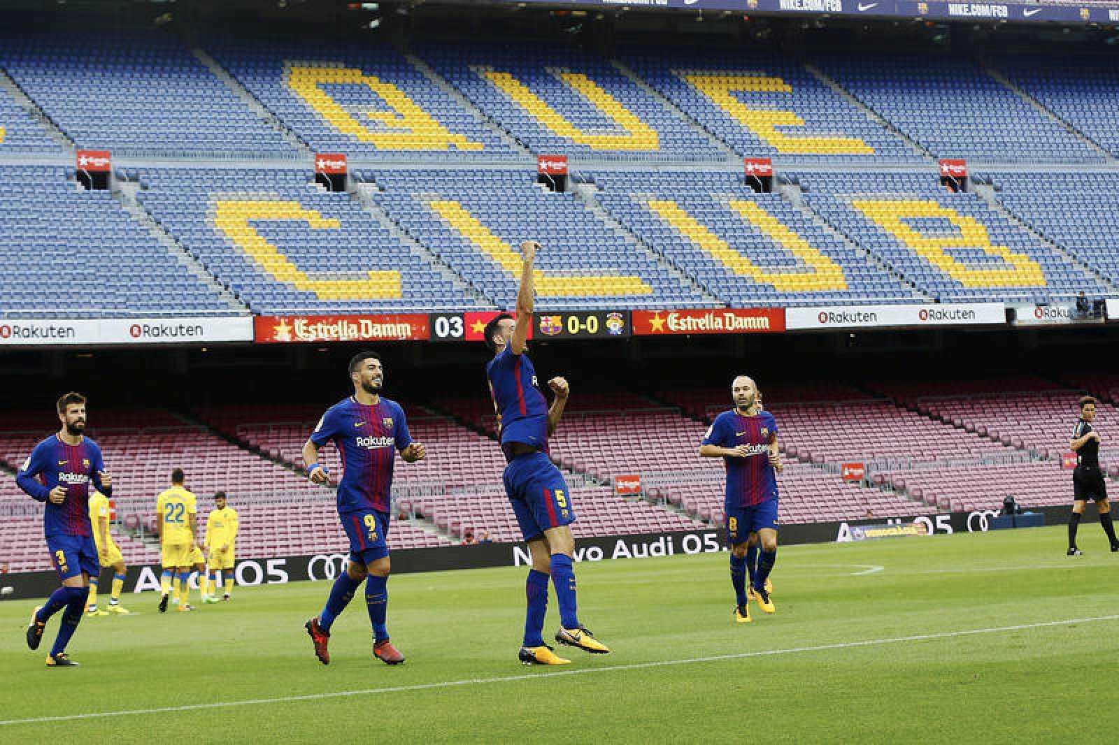Imagenes del partido a puerta cerrada entre el Barça y Las Palmas en el Camp Nou.