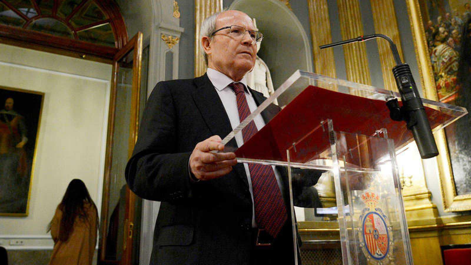 El senador del PSC José Montilla, durante una rueda de prensa en el Senado