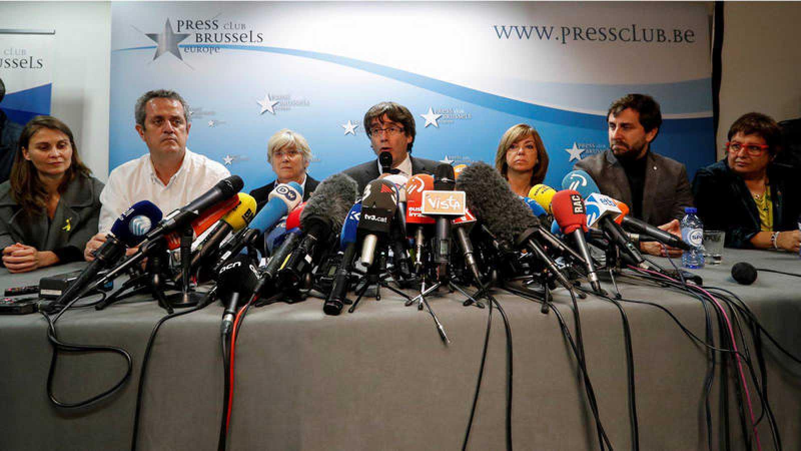 Rueda de prensa en Bruselas de Carles Puigdemont con cinco de sus exconsejeros