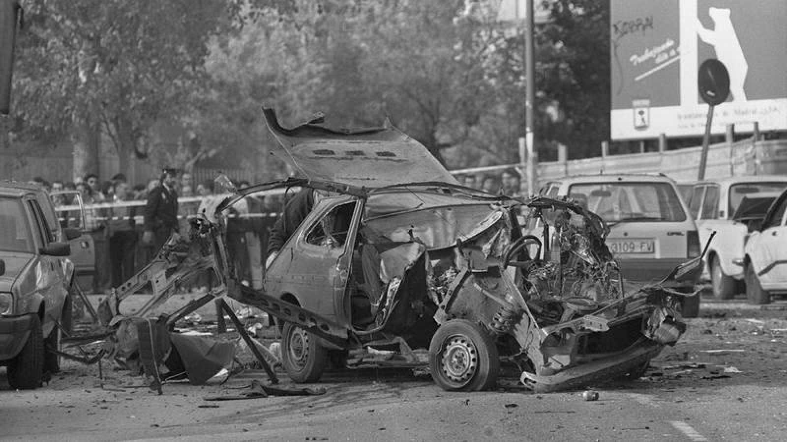 Estado del vehículo en el que viajaban Irene Villa y su madre, María Jesús González, tras el atentado