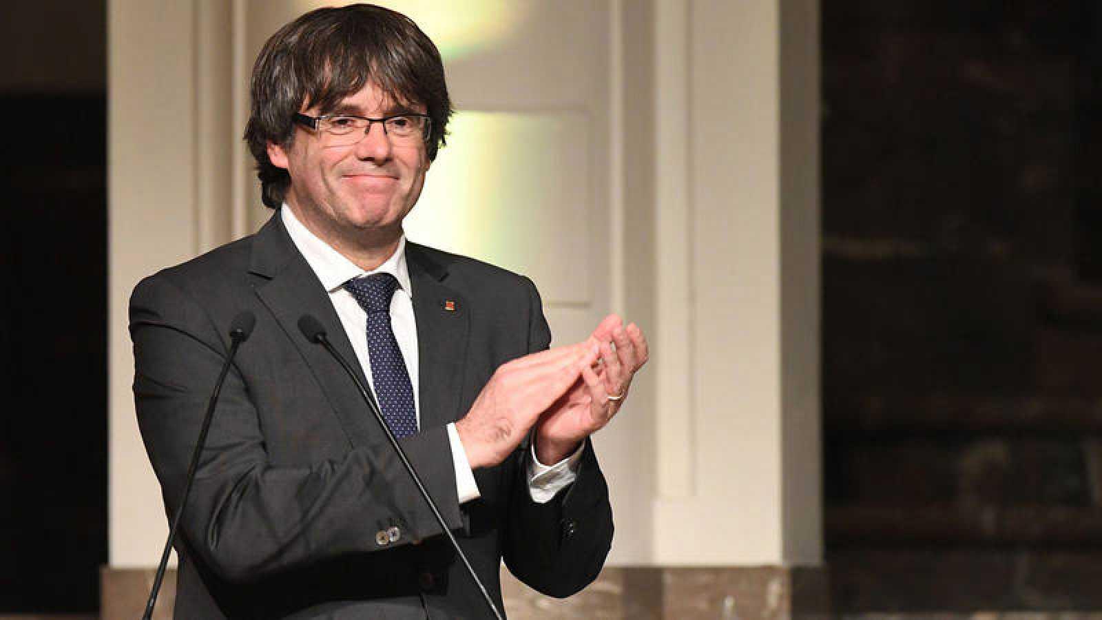 El expresidente de la Generalitat Carles Puigdemont, en el acto que celebró con 200 alcaldes independentistas en Bruselas