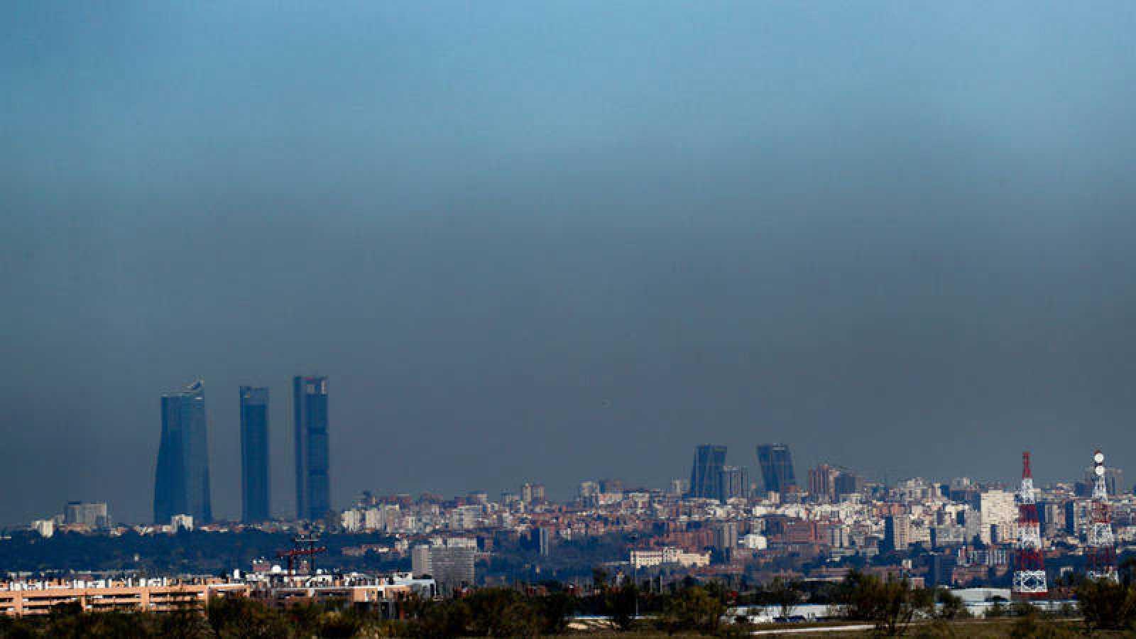 Vista de Madrid con la boina de contaminación que cubre con frecuencia la ciudad