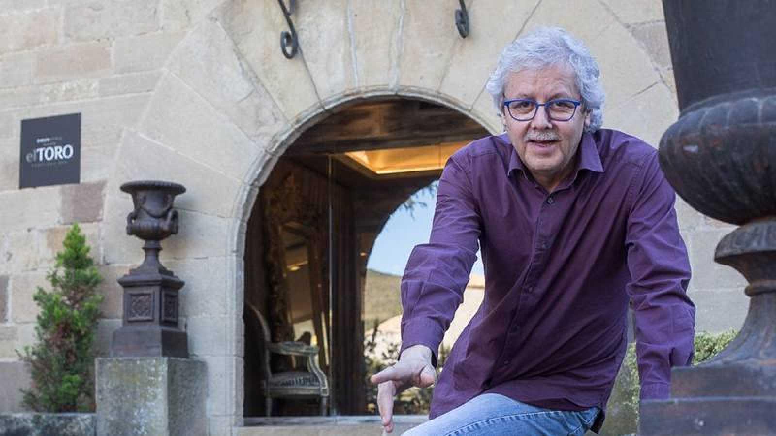 Xavier Gabriel, propietario de la administración la Bruixa d'Or de Sort