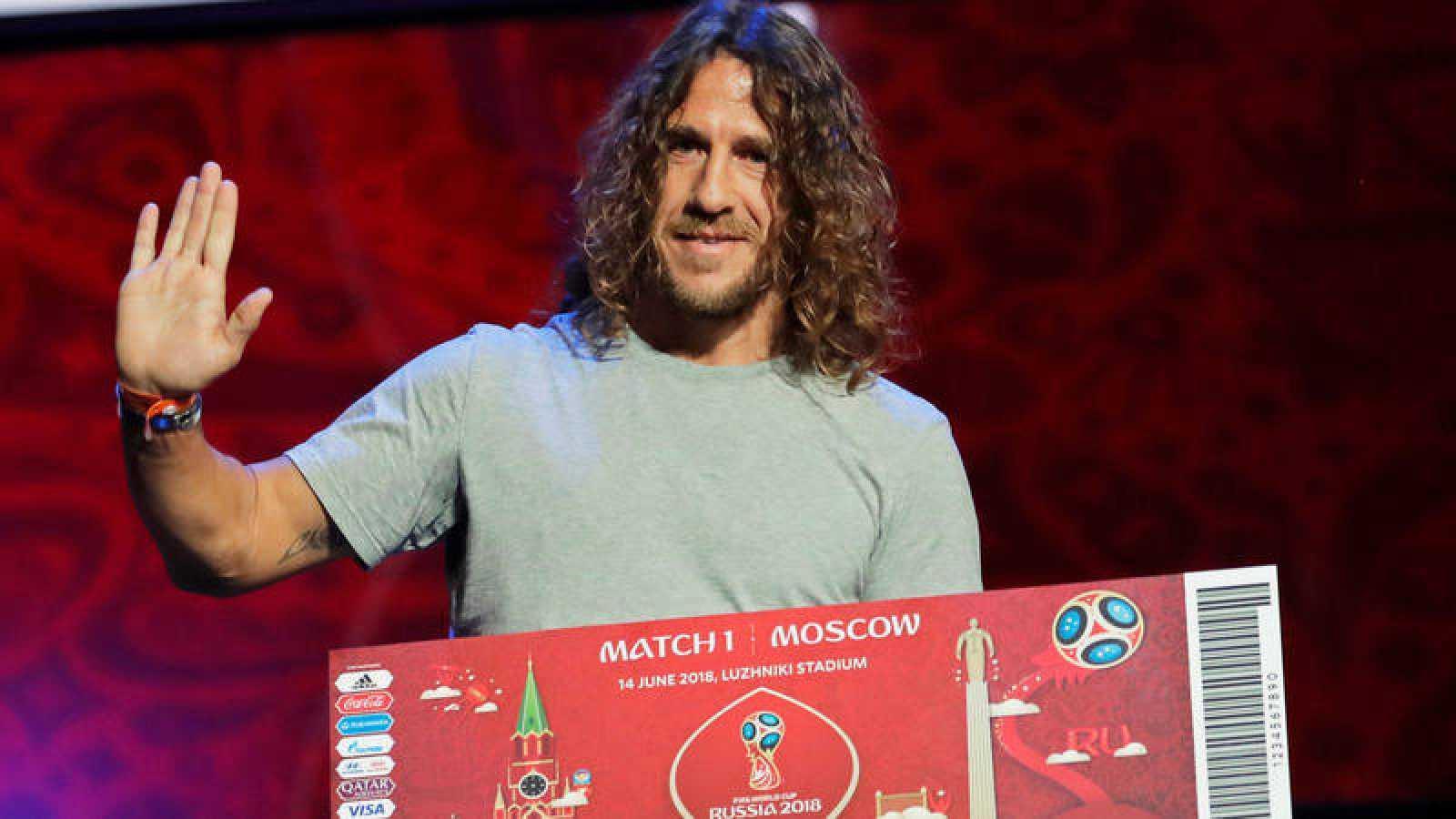Carles Puyol, durante los ensayos del sorteo en Rusia.