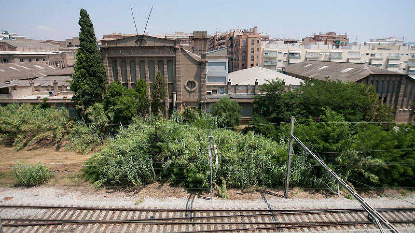 Imagen de archivo de la fábrica que Uralita tenía entre Cerdanyola del Vallès y Ripollet