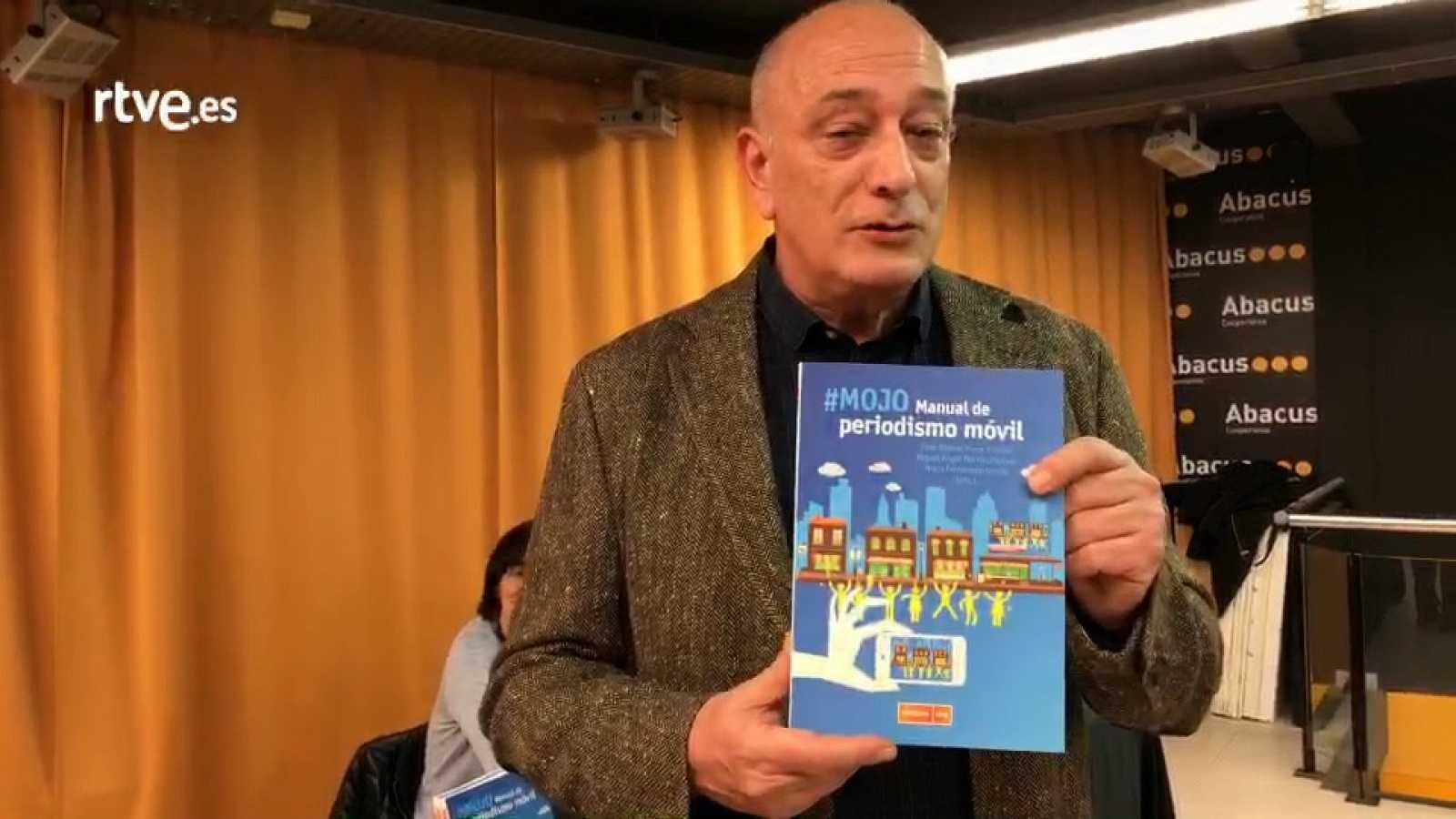 """Miguel Ángel Martín presenta el libro """"#MOJO. Manual de Periodismo Móvil"""" en el Abacus de Sant Cugat"""