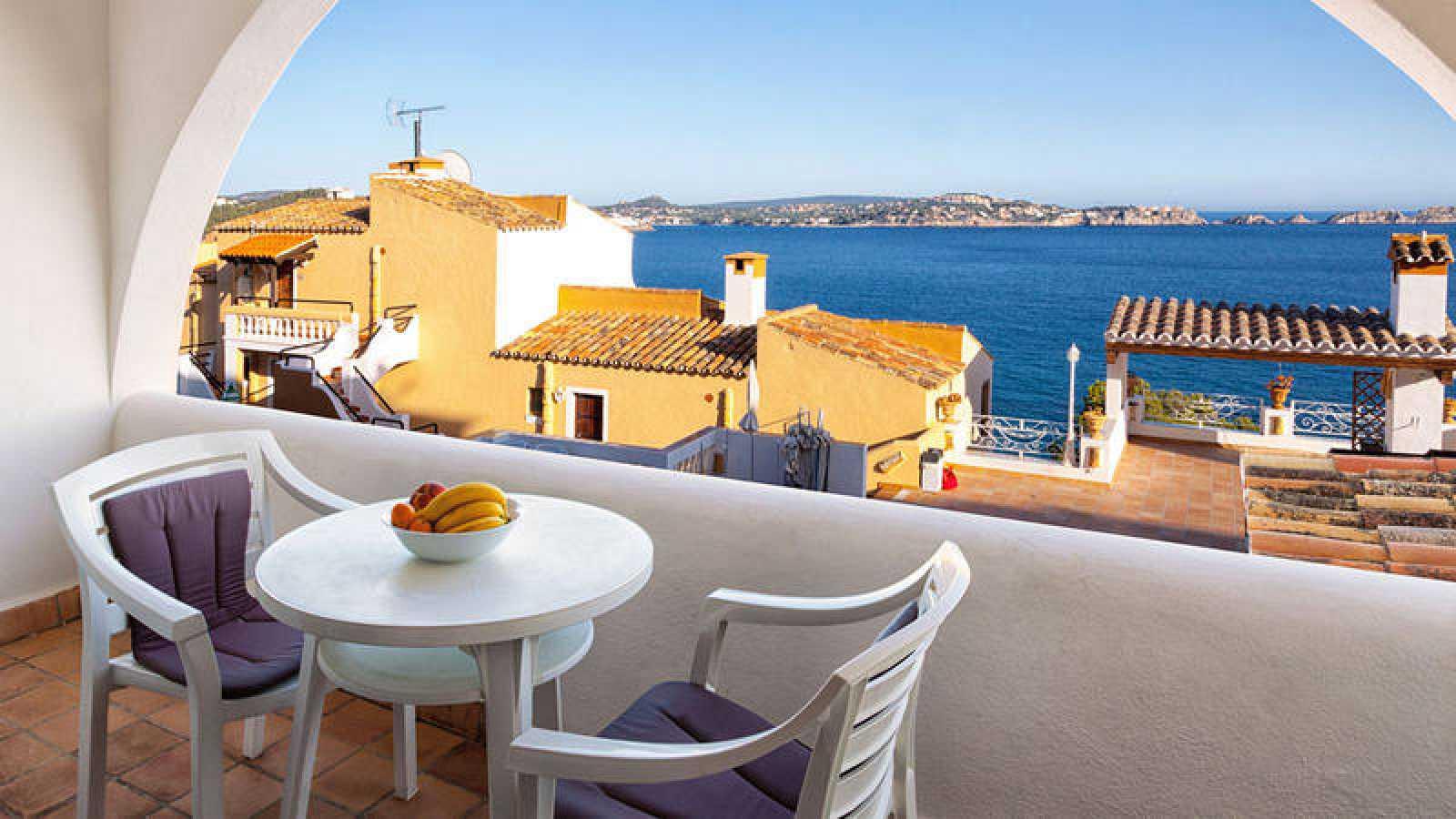 Terraza de un apartamento con vistas al mar