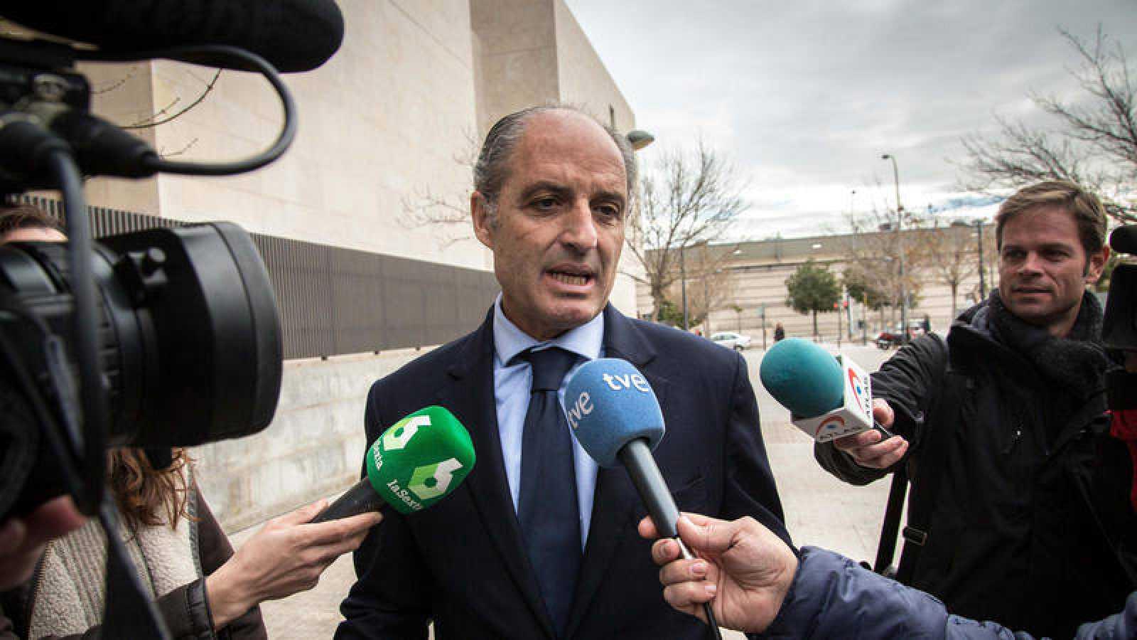 El expresidente de la Generalitat Valenciana Francisco Camps a su llegada a la Ciudad de la Justicia