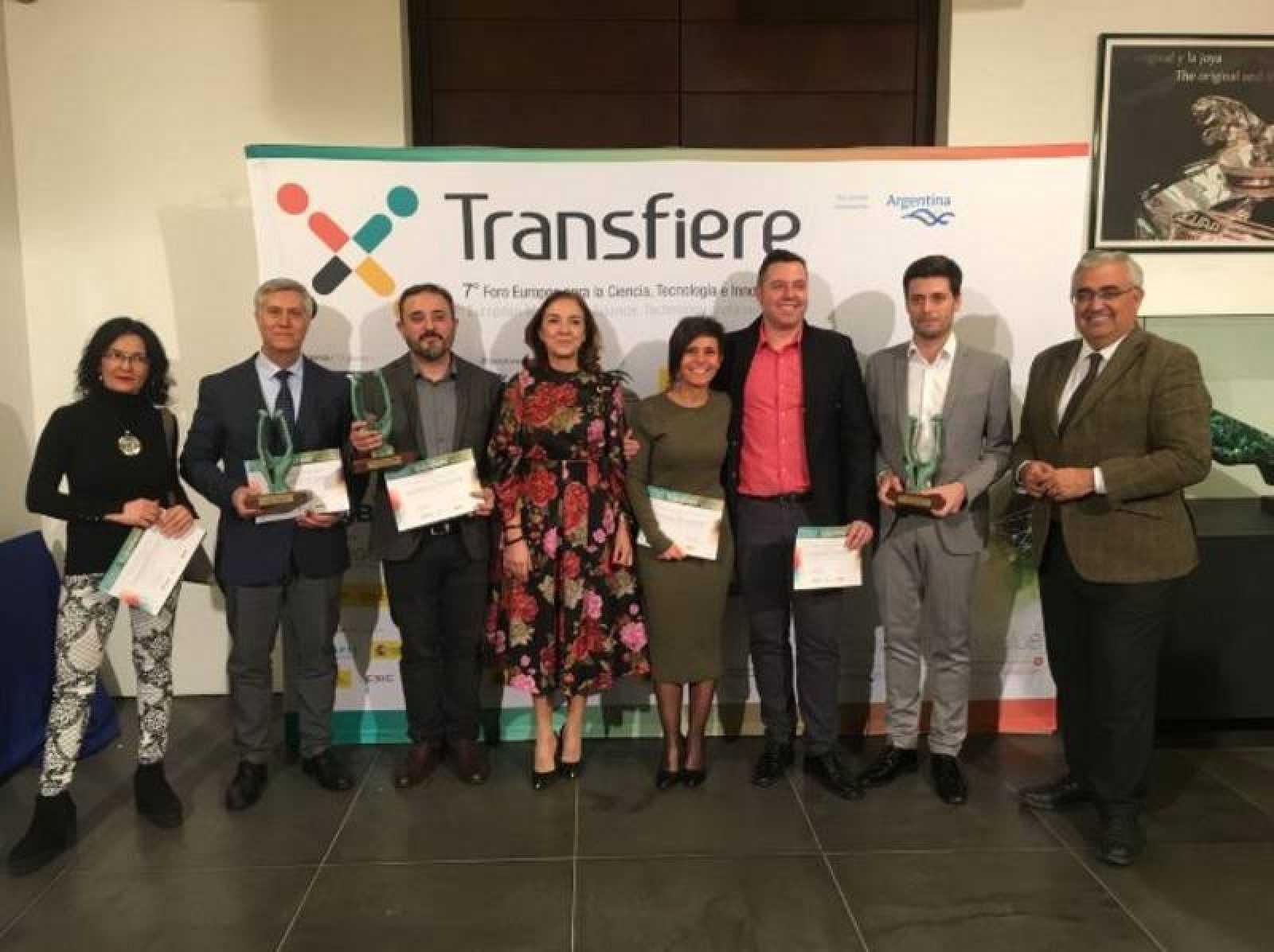 Los premiados con el III Premio de periodismo convocado por el Foro Transfiere