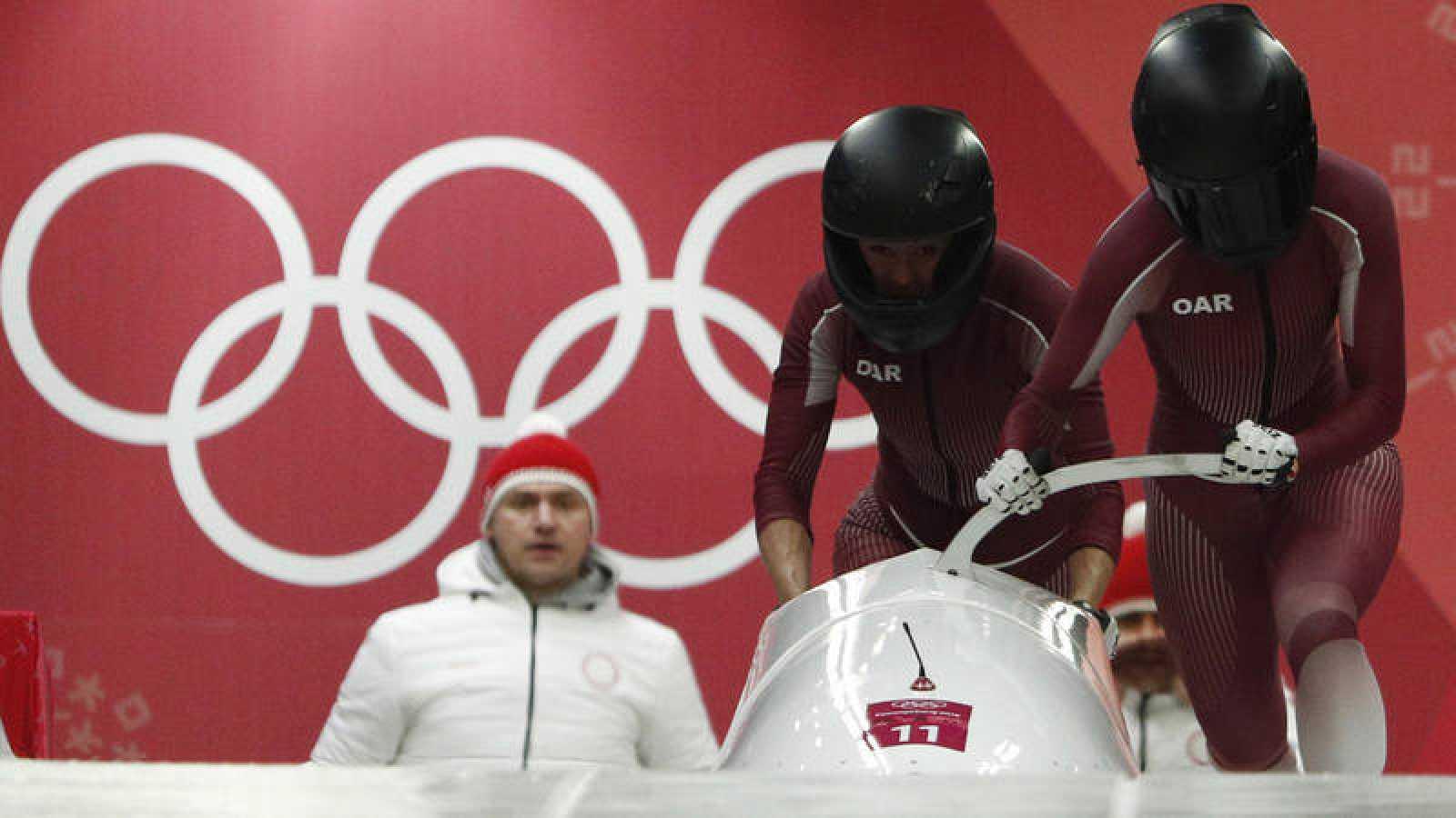 Nadezhda Sergeeva y Anastasia Kocherzhova compiten en bobsleigh en Pyeongchang.