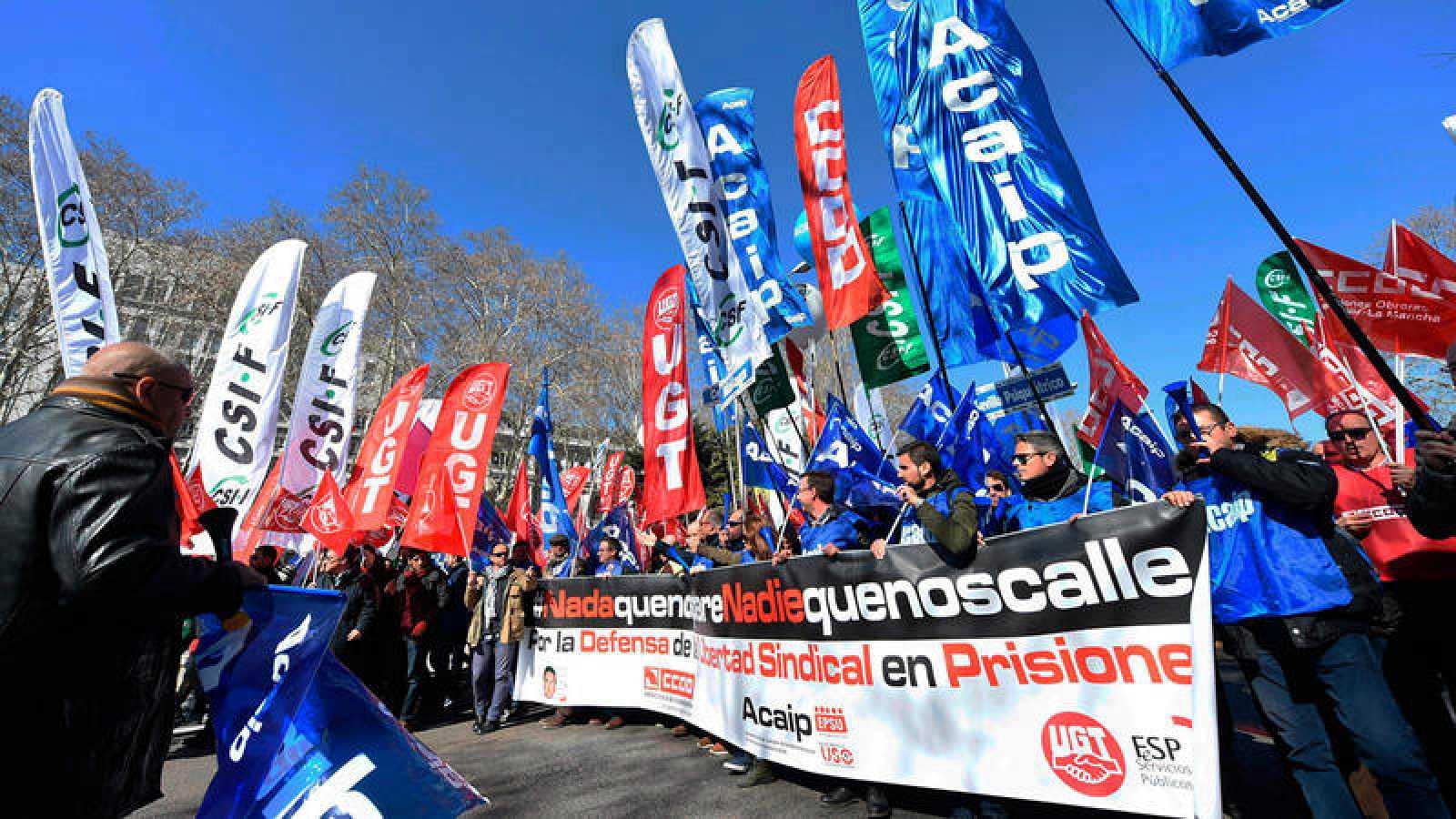 Funcionarios de prisiones durante la manifestación que han protagonizado en Madrid