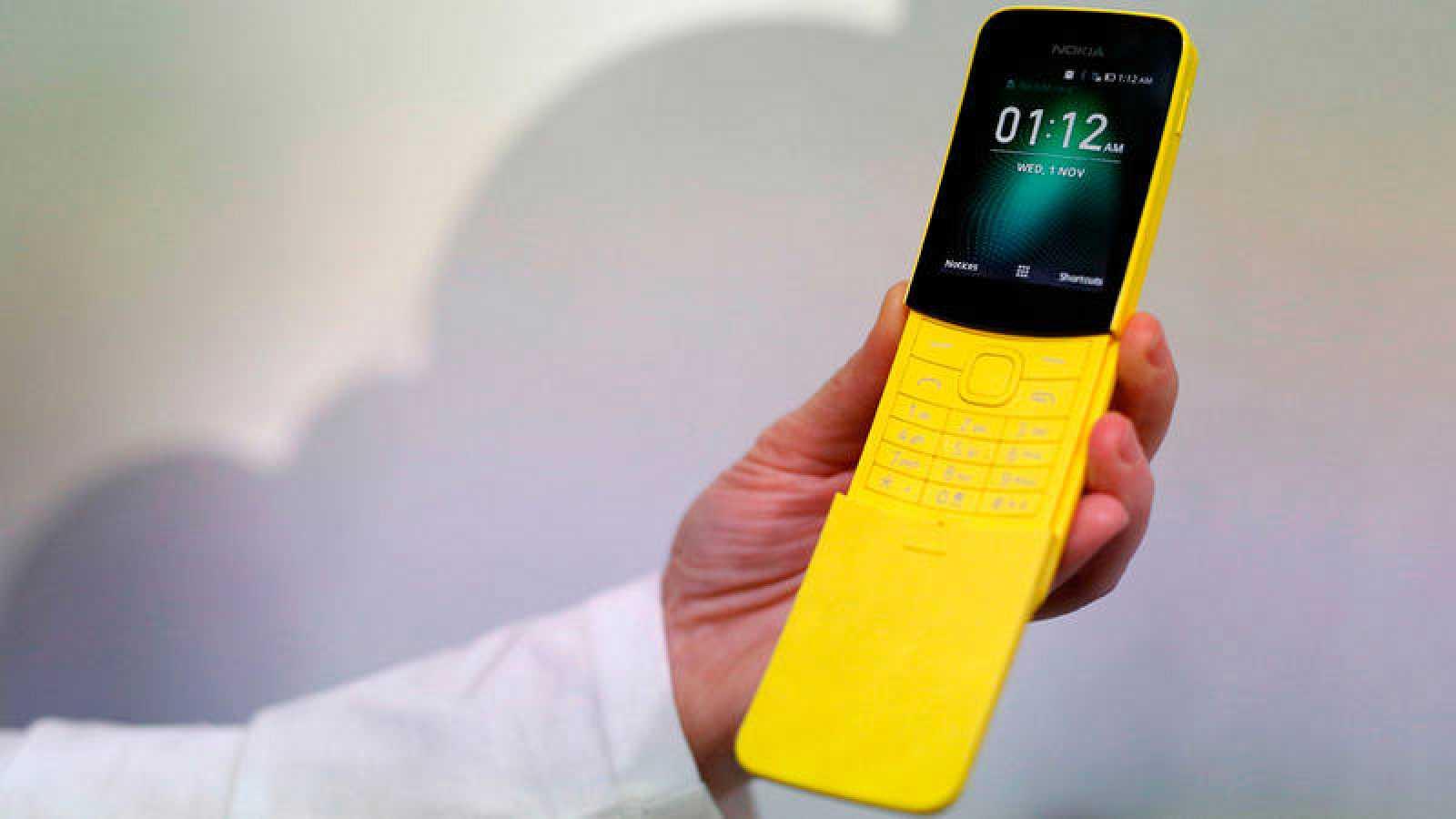 Imagen del modelo 8110 presentado por Nokia en el Mobile World Congress de Barcelona.
