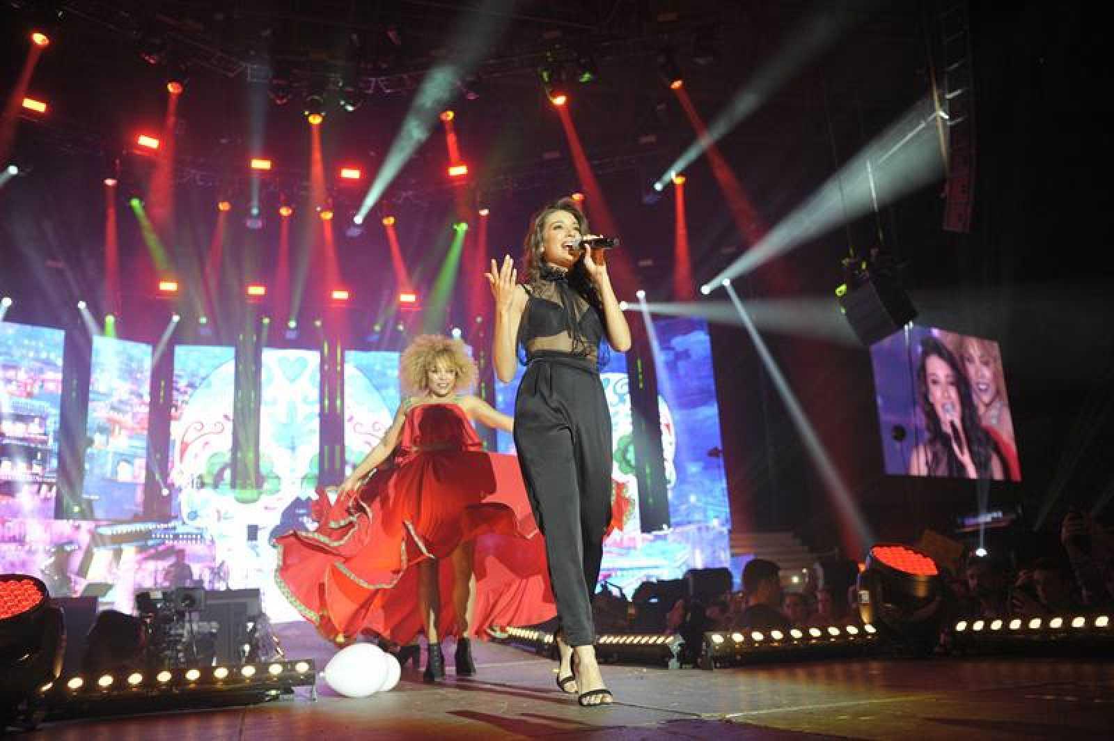 """Ana Guerra interpreta """"La Binkina"""" en el concierto de OT en Barcelona"""