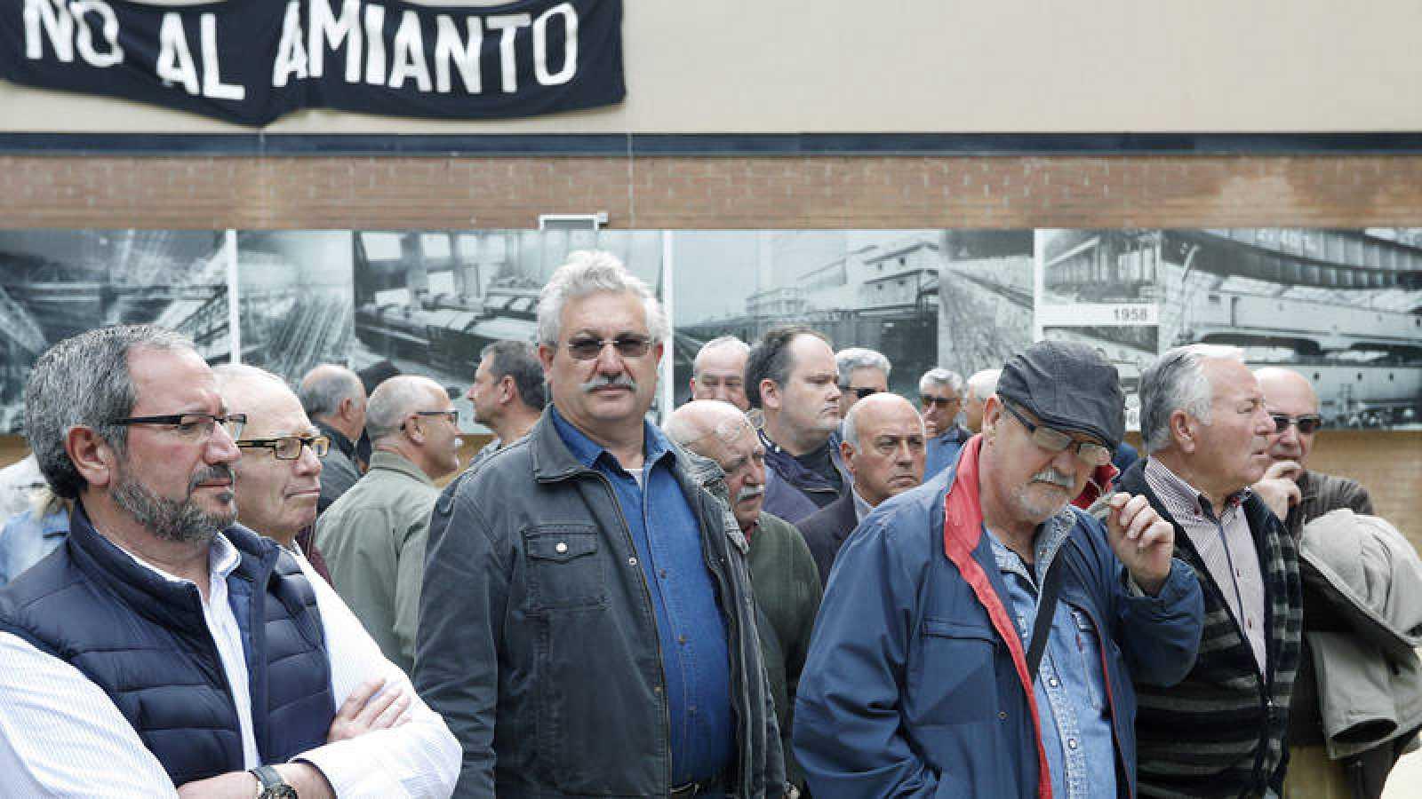 Ex trabajadores de la empresa Macosa (Barcelona), inauguran el Espacio Macosa para recordar la lucha de los trabajadores.