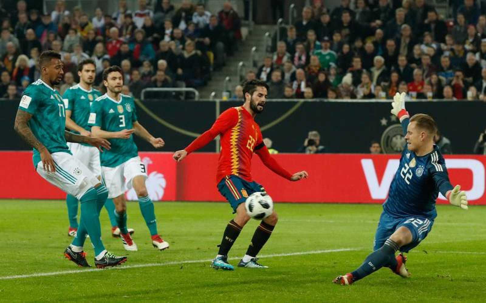 Isco falla una ocasión en el partido ante Alemania (1-1).