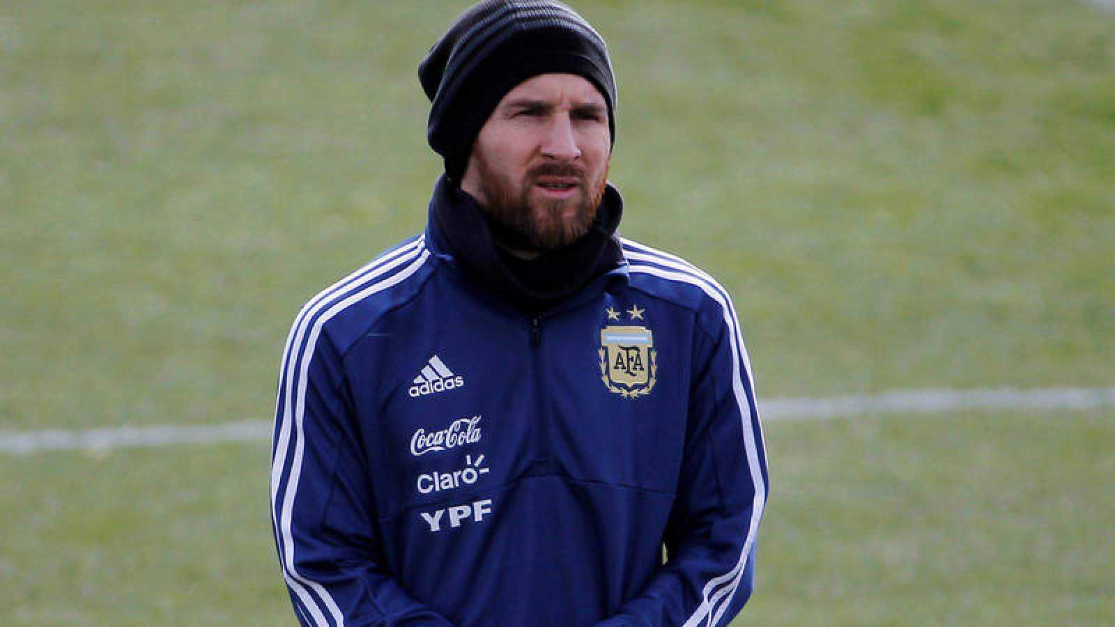 Entrenamiento de Argentina en Madrid, con Leo Messi.