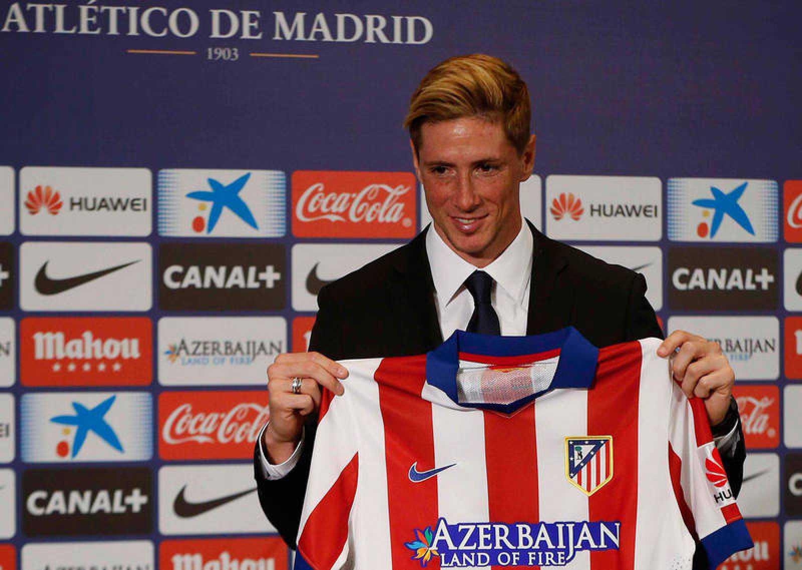 Fernando Torres en su presentación son el Atlético en su regreso.