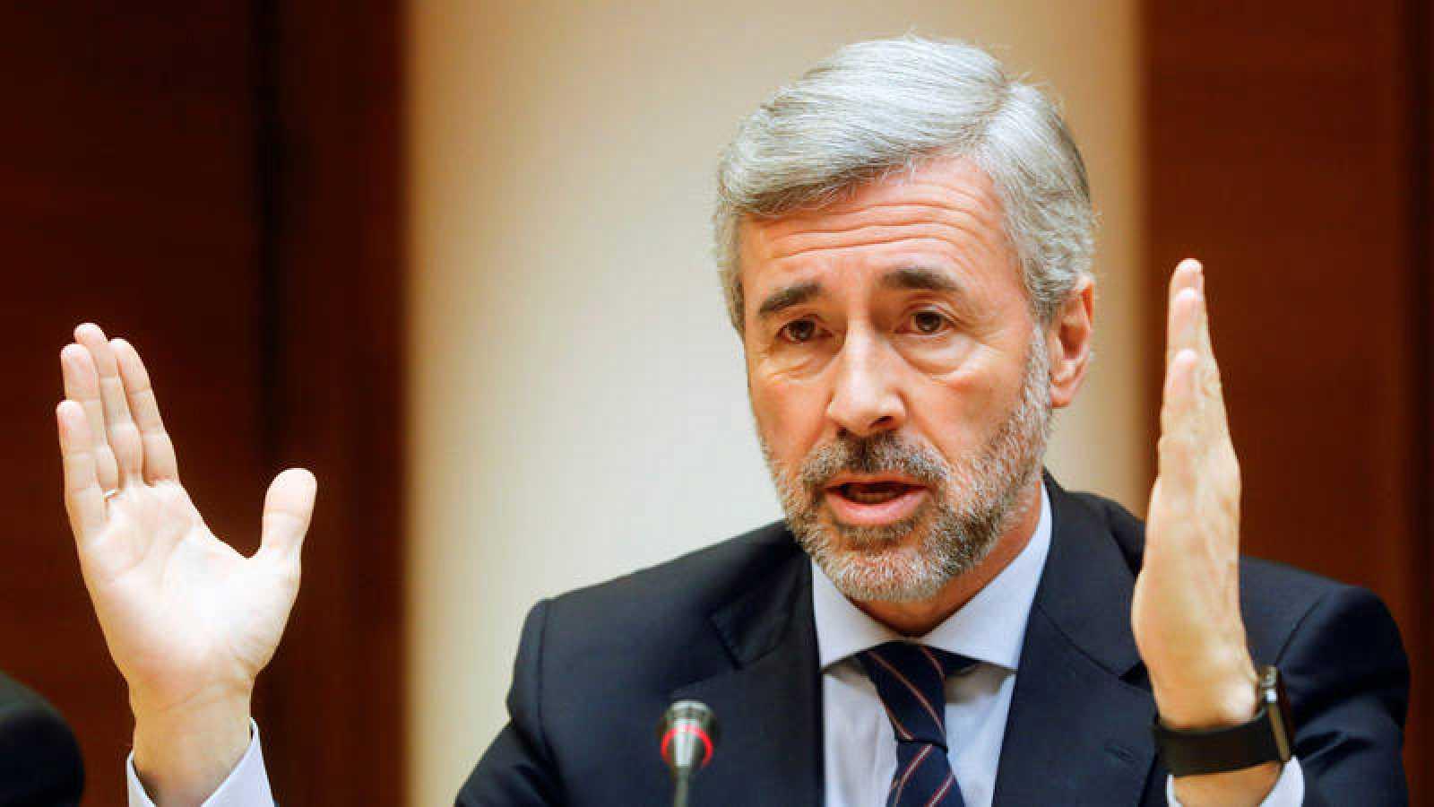 El exsecretario general del PP, Ángel Acebes, comparece en la Comisión de investigación de Les Corts Valencianes