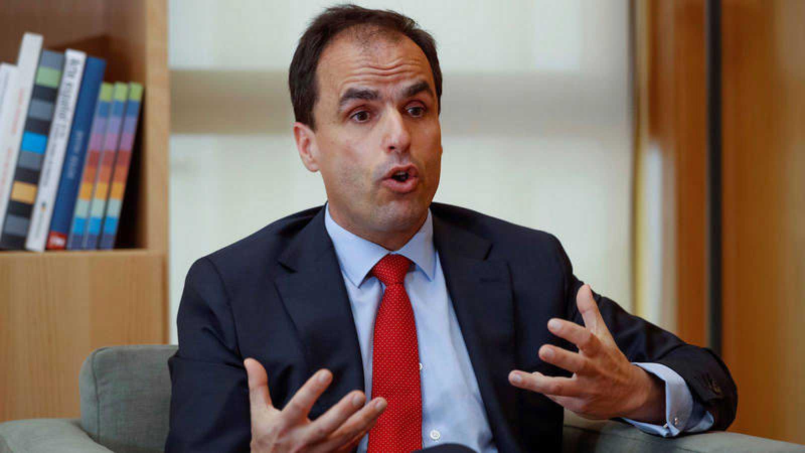 El rector de la Universidad Rey Juan Carlos, Javier Ramos, durante la entrevista con la Agencia Efe