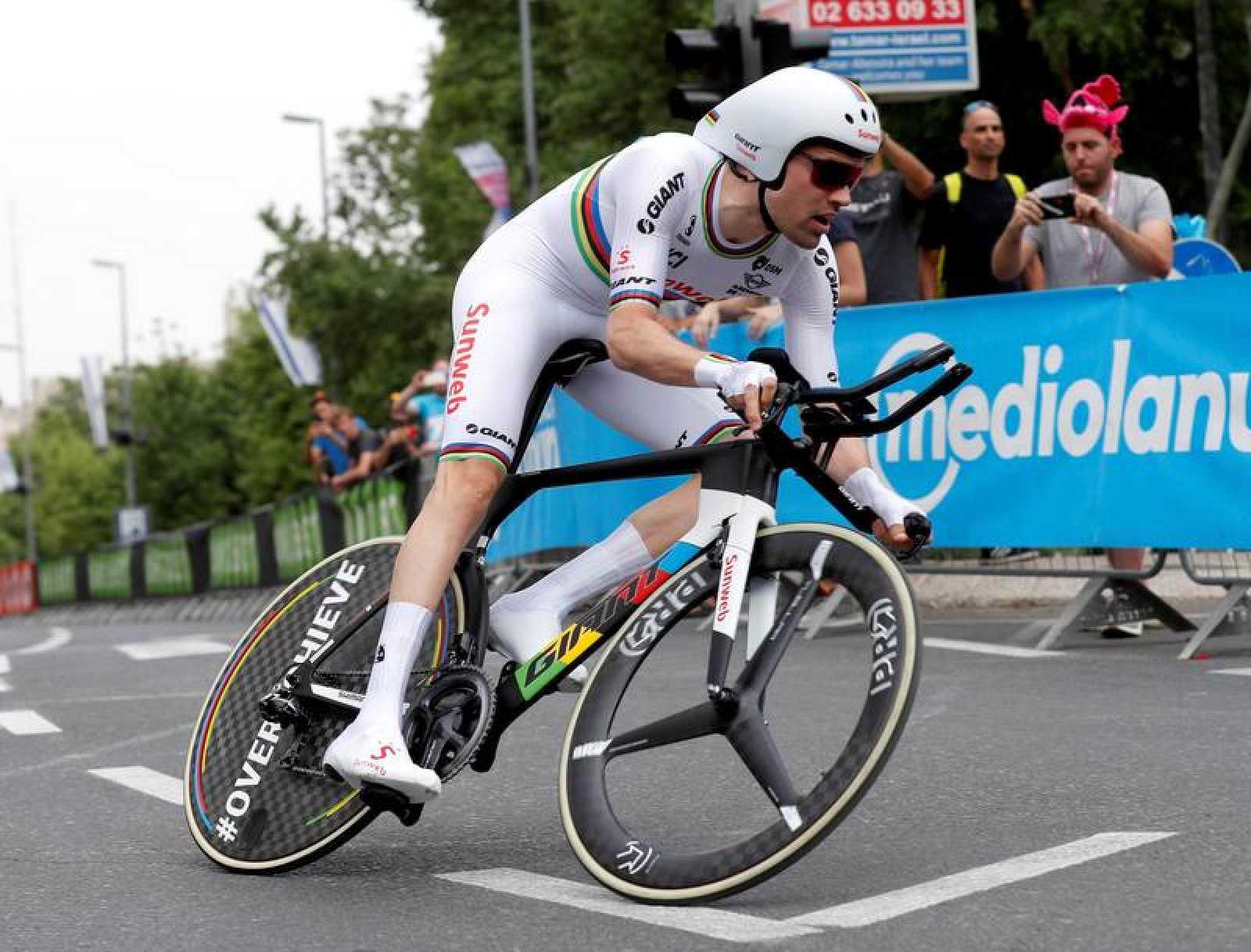 Imagen de Tom Dumoulin en la etapa 1 del Giro de Italia 2018.