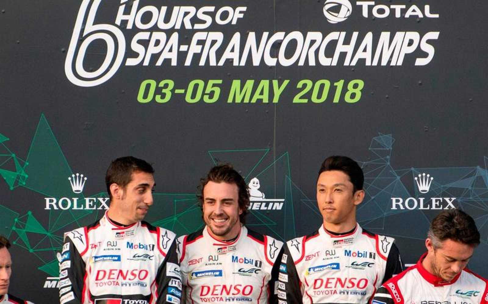 Alonso, junto a sus compañeros Sebastien Buemi y Kazuki Nakajima en el podio.