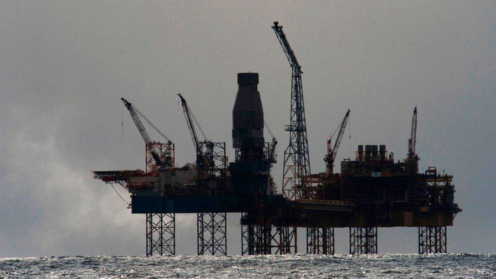 La plataforma Elgin del gigante energético francés Total, a 240 kms de Aberdeen (Escocia), en el Mar del Norte