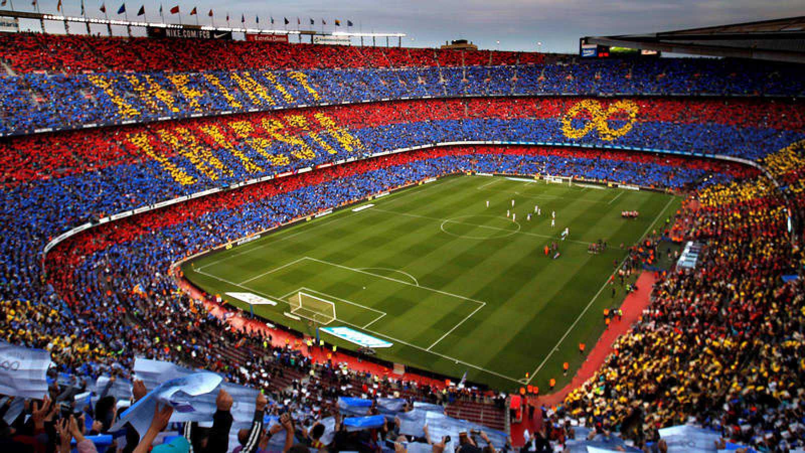 Aspecto que presentaba el Camp Nou al comienzo del partido.
