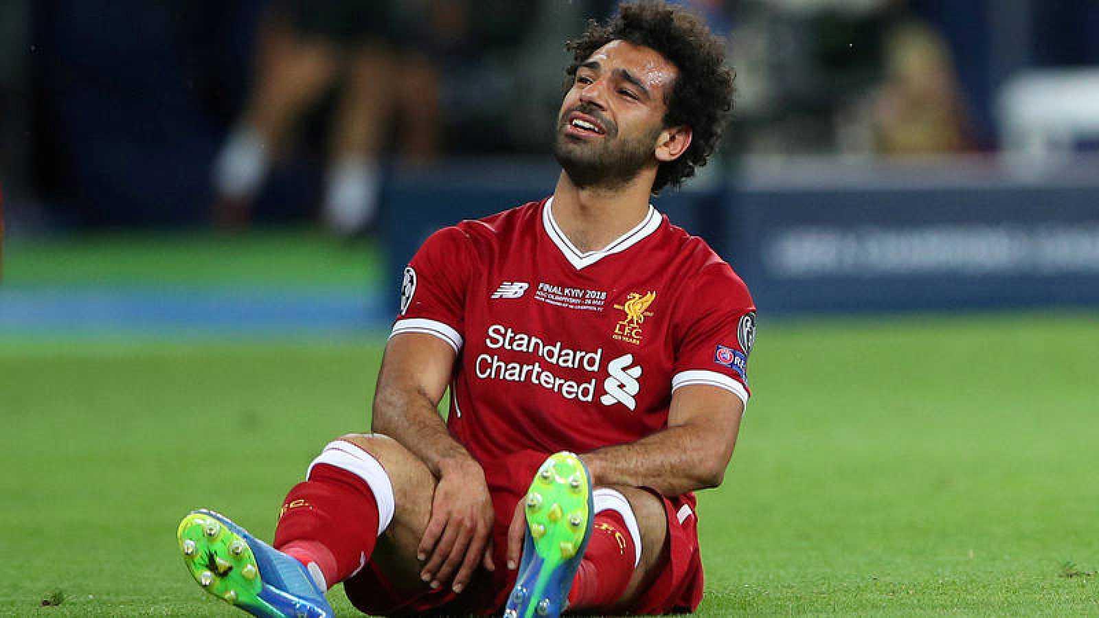 Mohamed Salah, tras lesionarse en la final de la Champions.