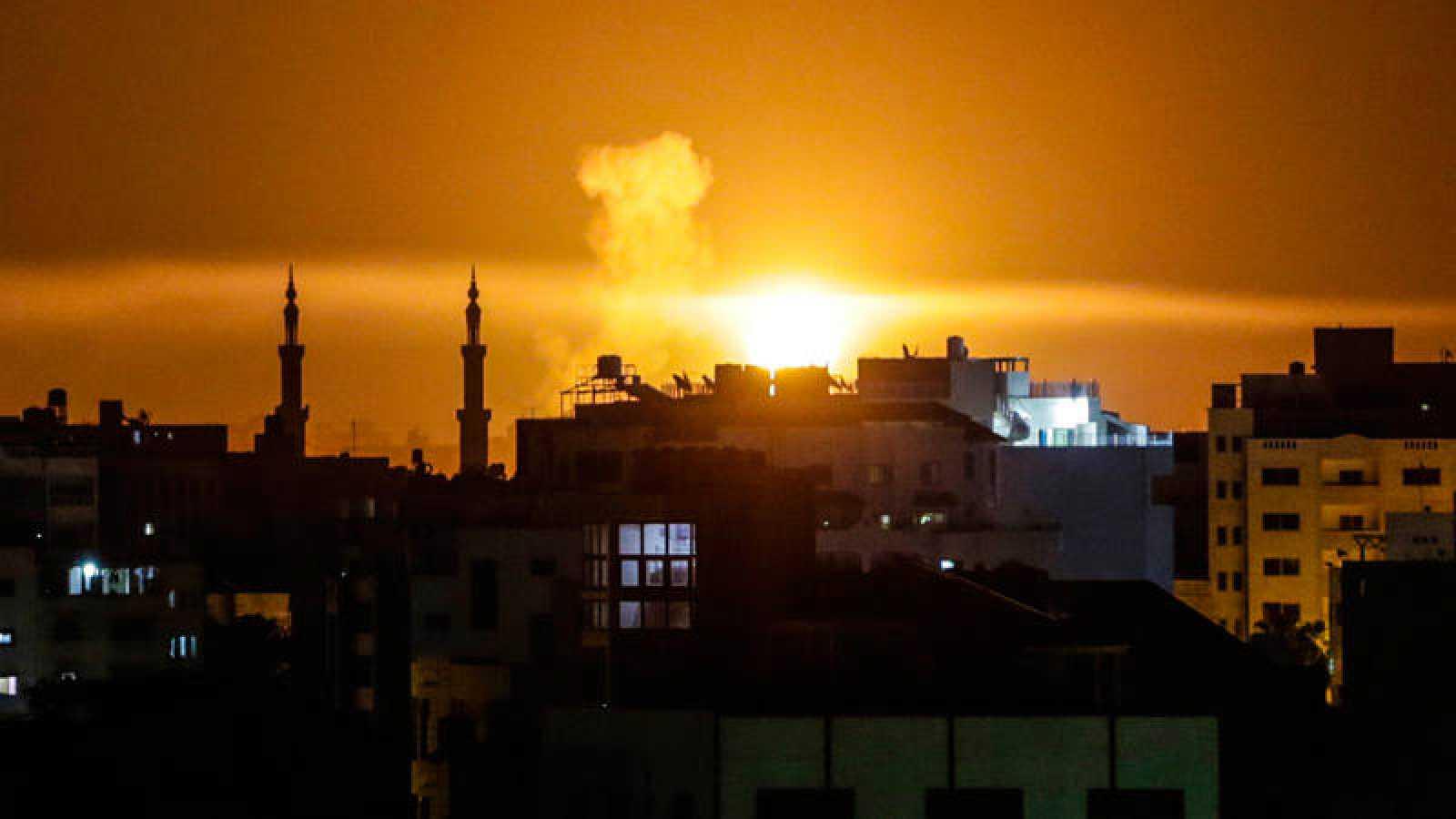 Uno de los ataques israelíes sobre Gaza