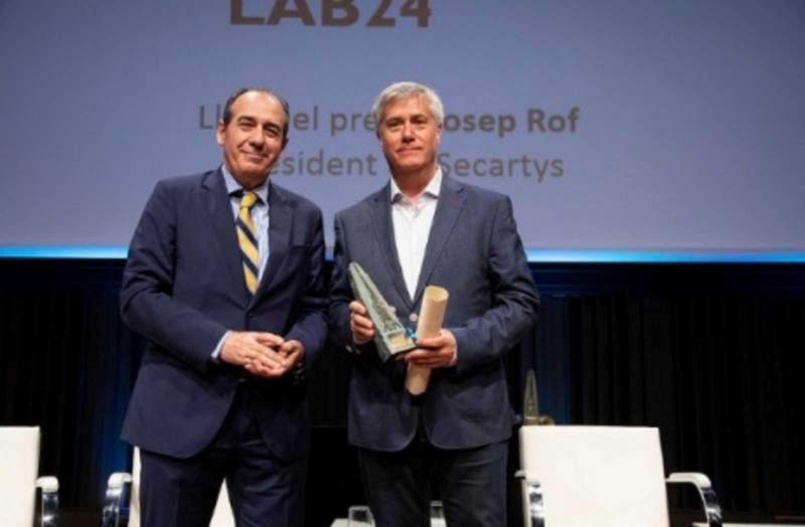 Pere Buhigas recoge el XIX Premio Conexió para el programa 'Lab24'