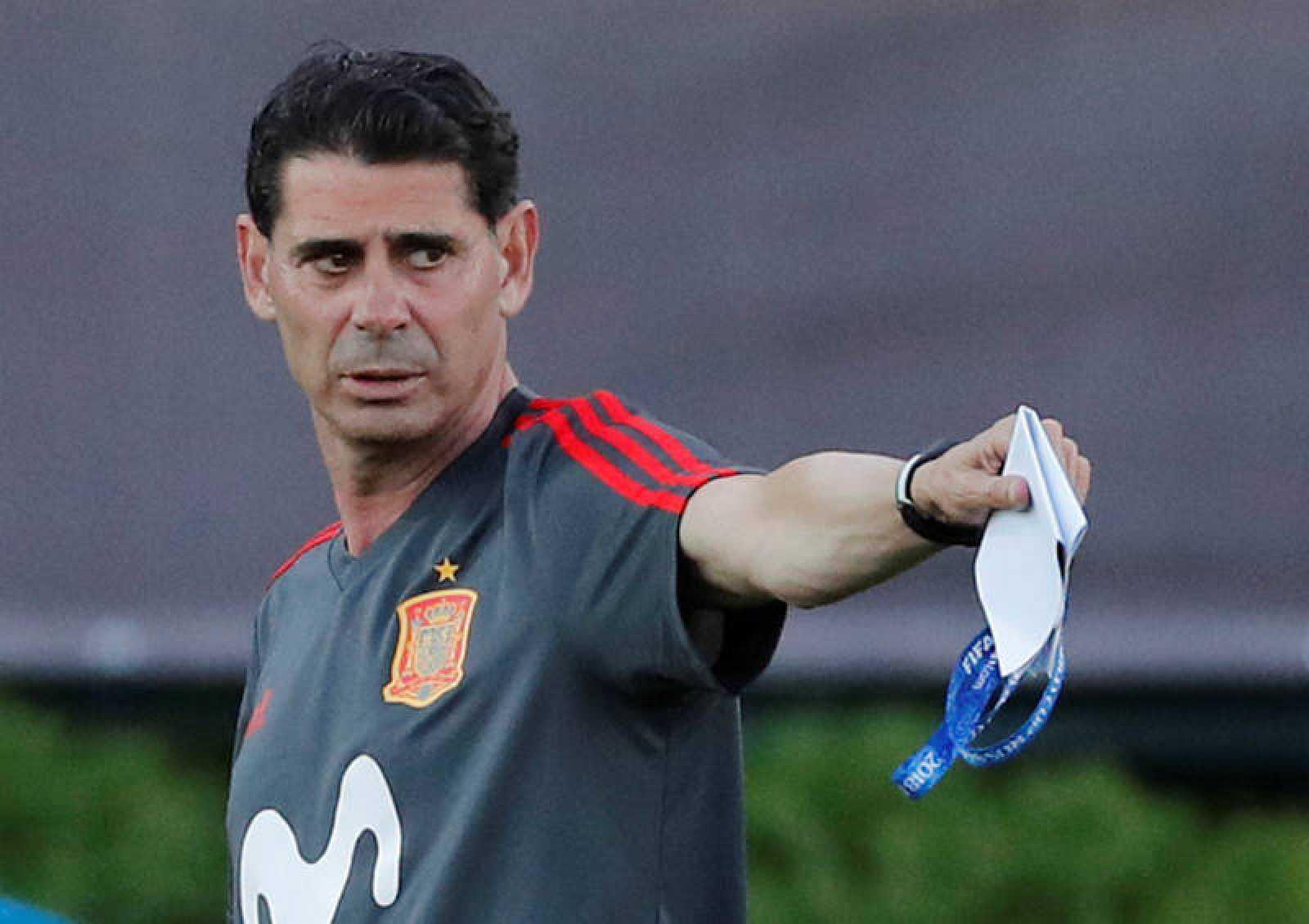 El nueve seleccionador nacional de fútbol, Fernando Hierro.