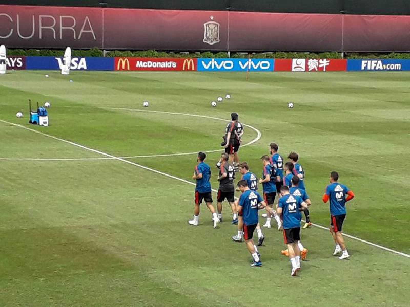 Imagen del entrenamiento de la selección tras el debut ante Portugal.