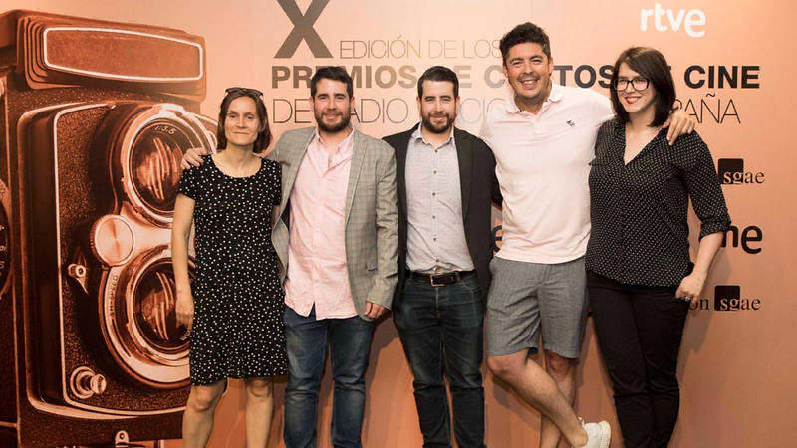 De izquierda a derecha, Carlota Coronado, los hermanos Prada, Fernando González Gómez y Marta Salvador, que ha recogido el tecer premio en nombre de Diego Porral.