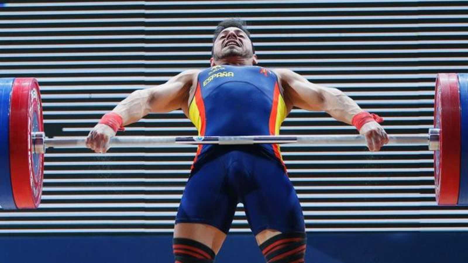 Brachi logra el bronce en arrancada, en la categoría de 62 kilogramos