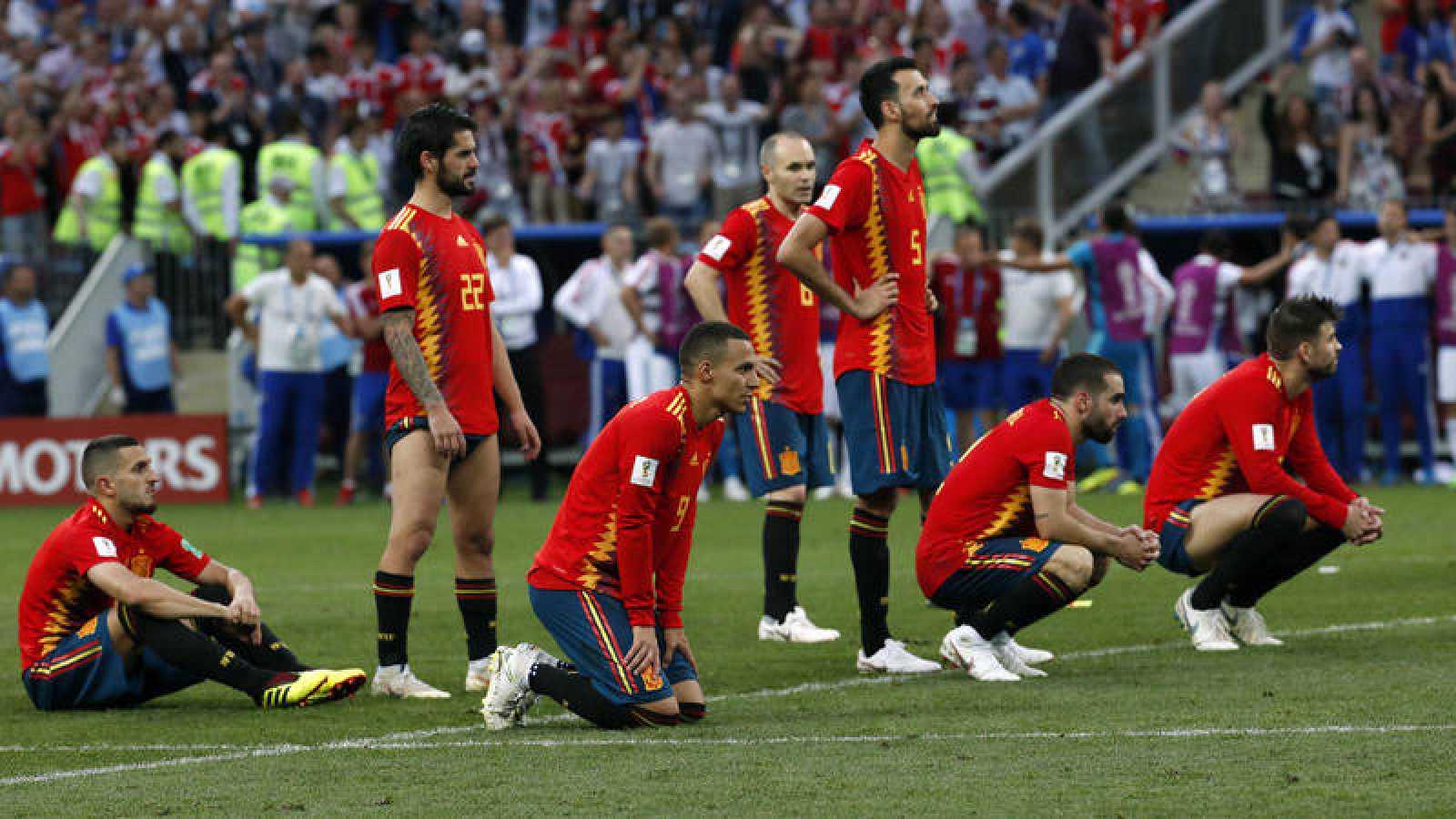 Los jugadores de la selección española, tras caer eliminados del Mundial de Rusia.