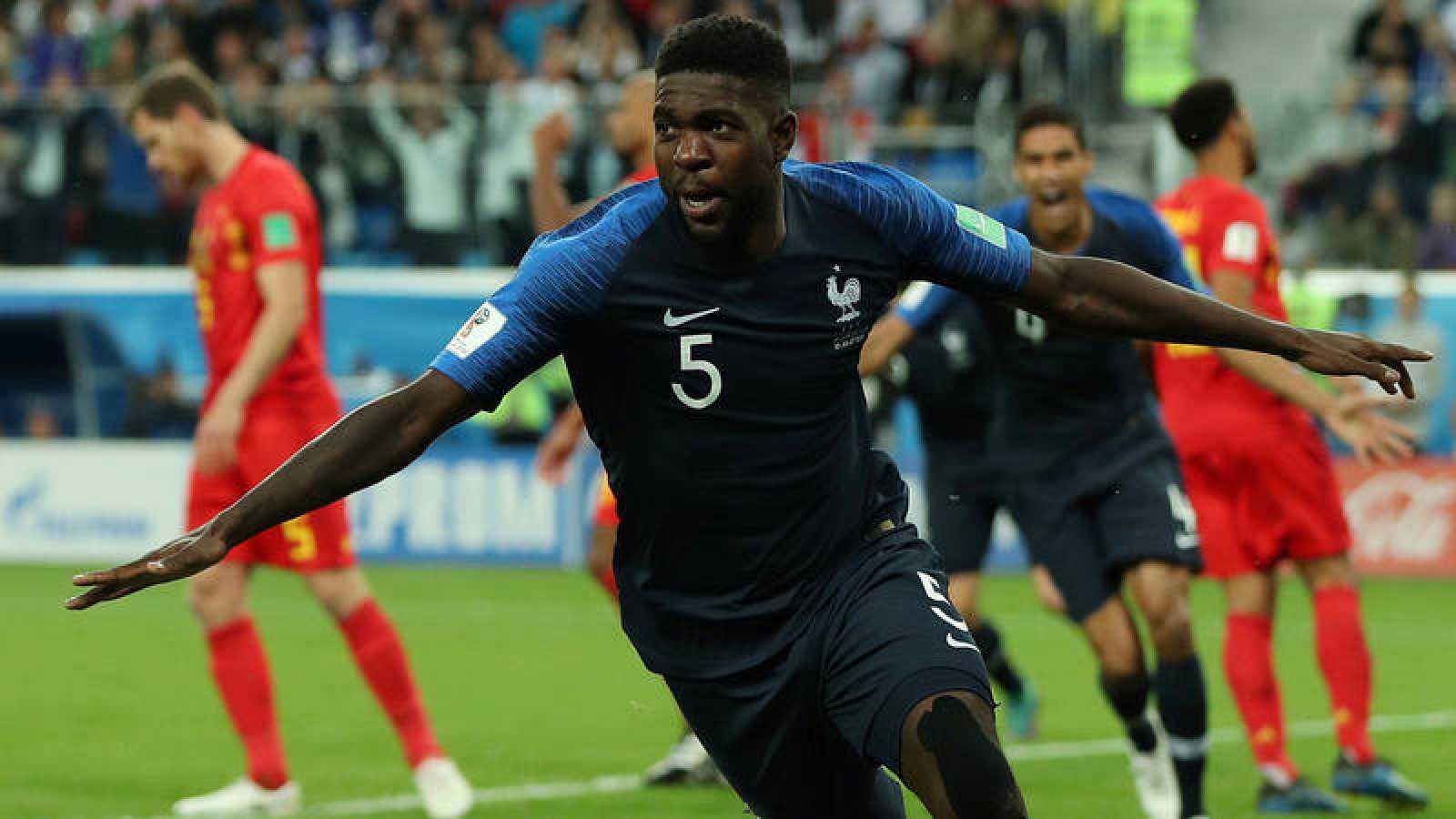 Umtiti celebra el gol de la victoria francesa sobre Bélgica.