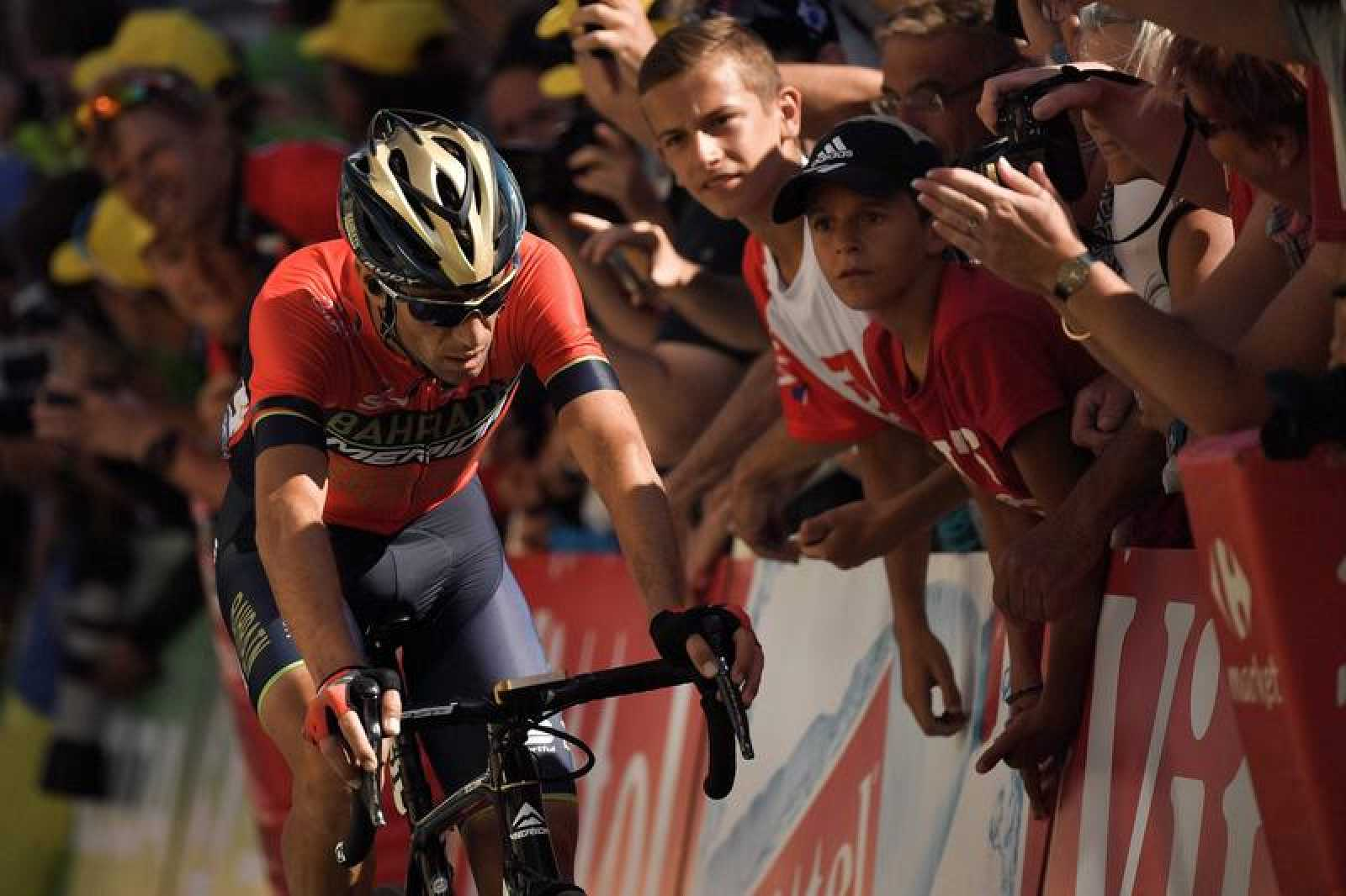 Vincenzo Nibali se retira del Tour de Francia.