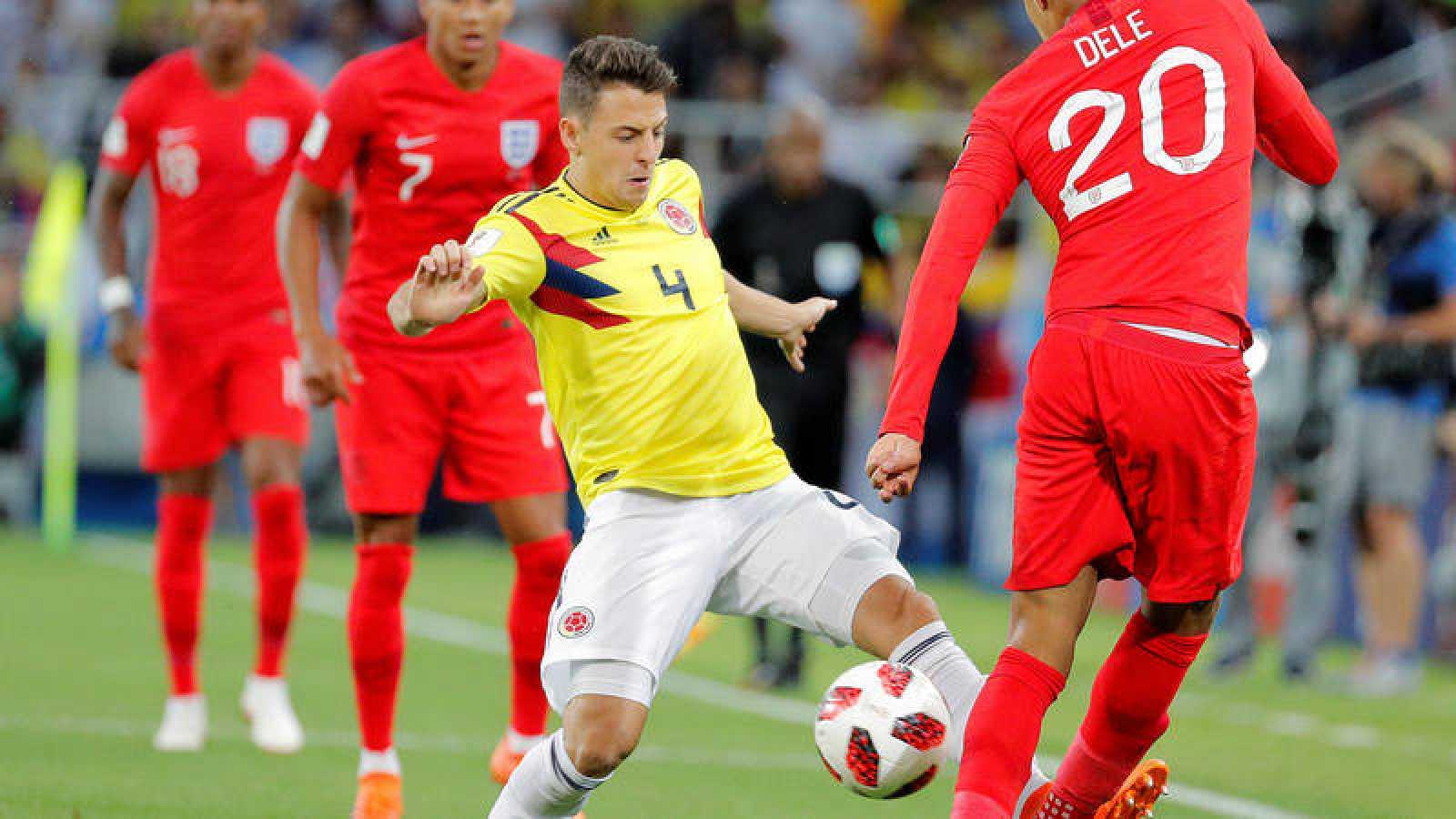 El lateral derecho colombiano Santiago Arias, en el partido de octavos del Mundial de Rusia ante Inglaterra.